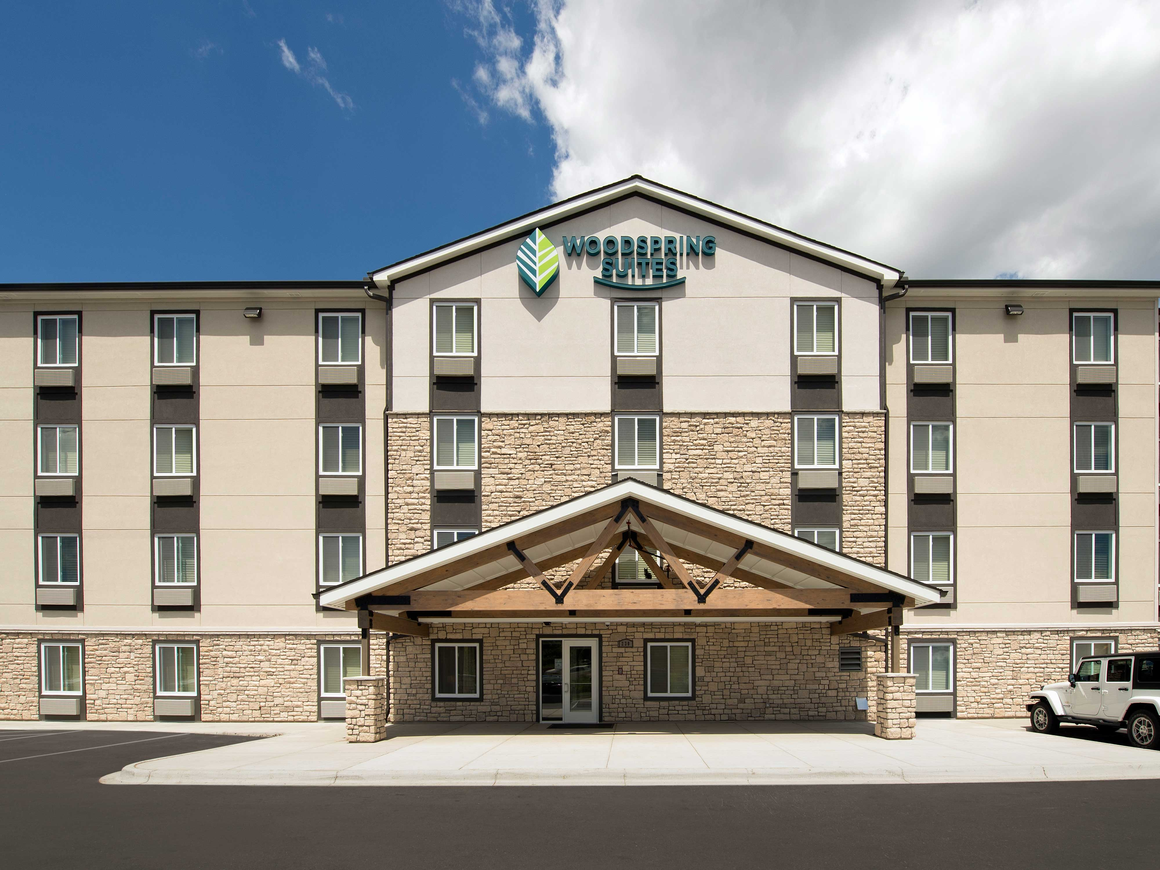 WoodSpring Suites Minneapolis Fridley image 15