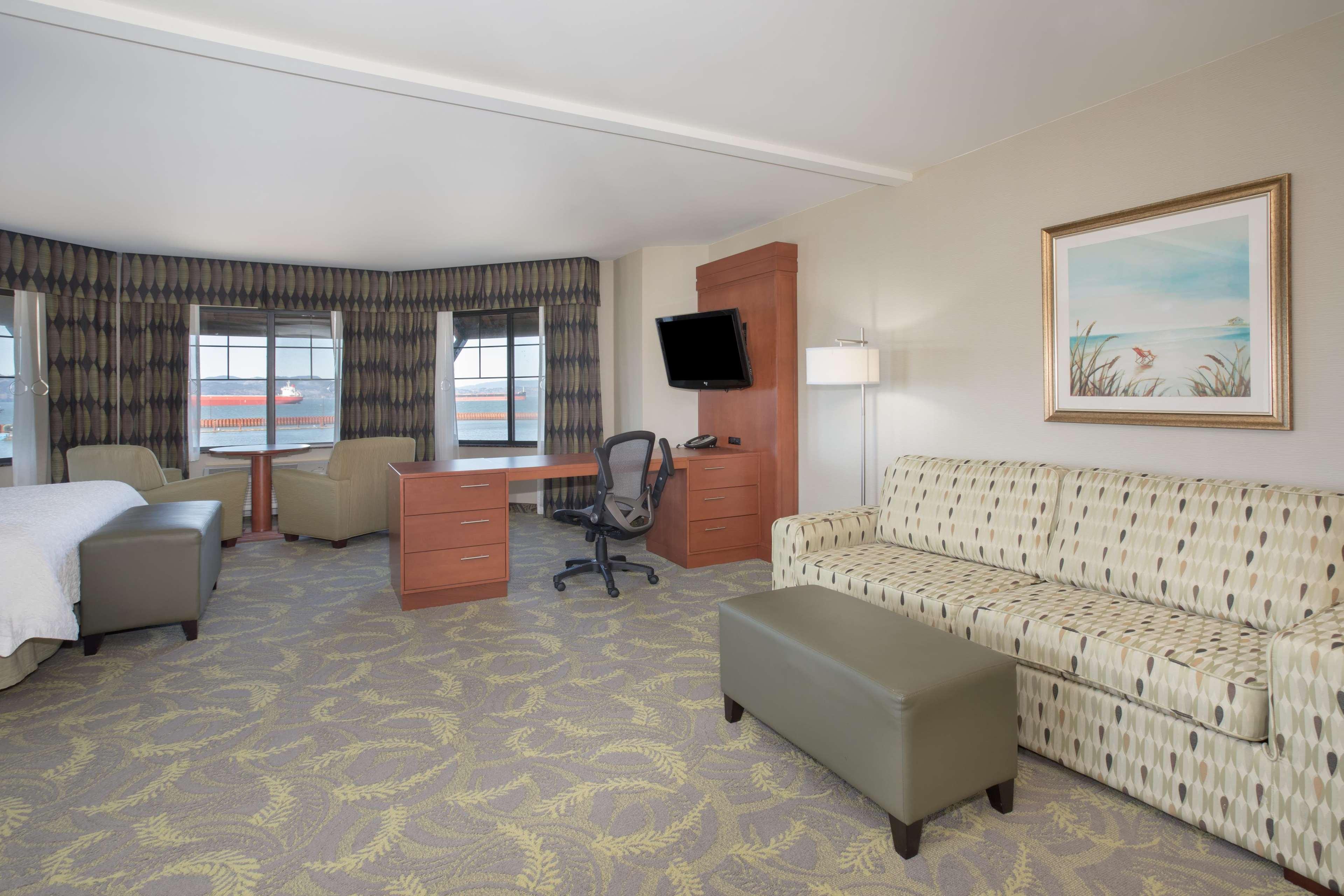 Hampton Inn & Suites Astoria image 29