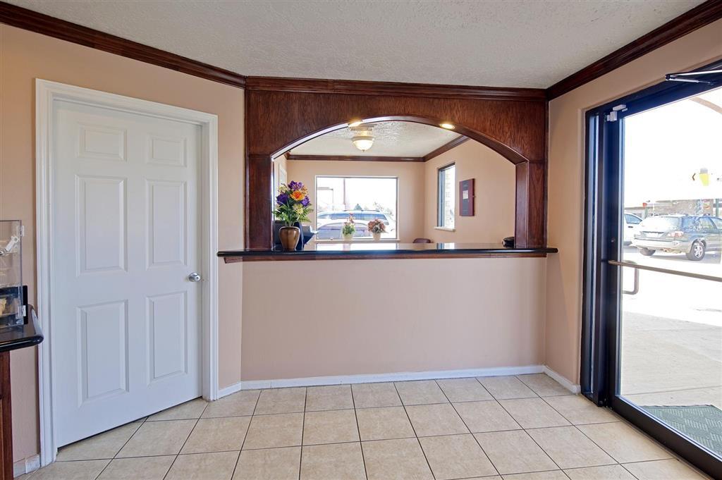 Americas Best Value Inn & Suites - Hempstead/Prairie View image 2