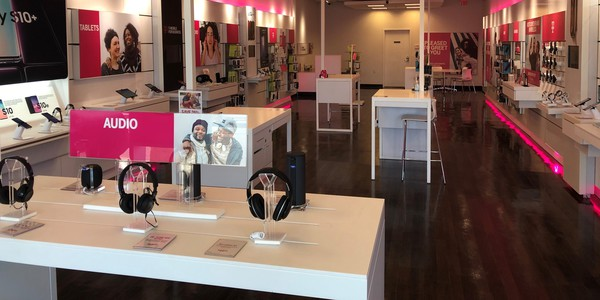 Interior photo of T-Mobile Store at Hwy. 127 & Grand River Avenue, Lansing, MI