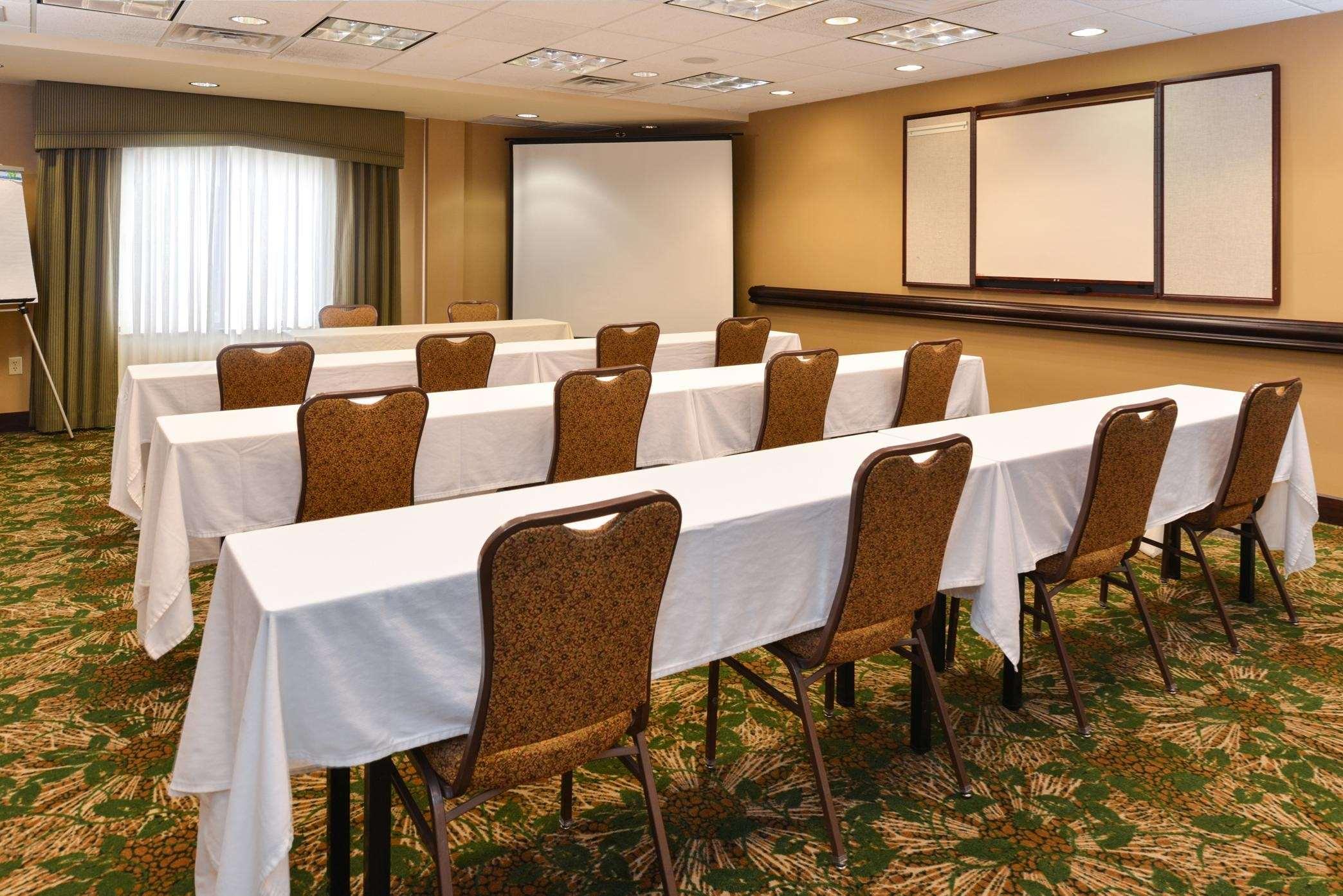 Hampton Inn & Suites Casper image 39