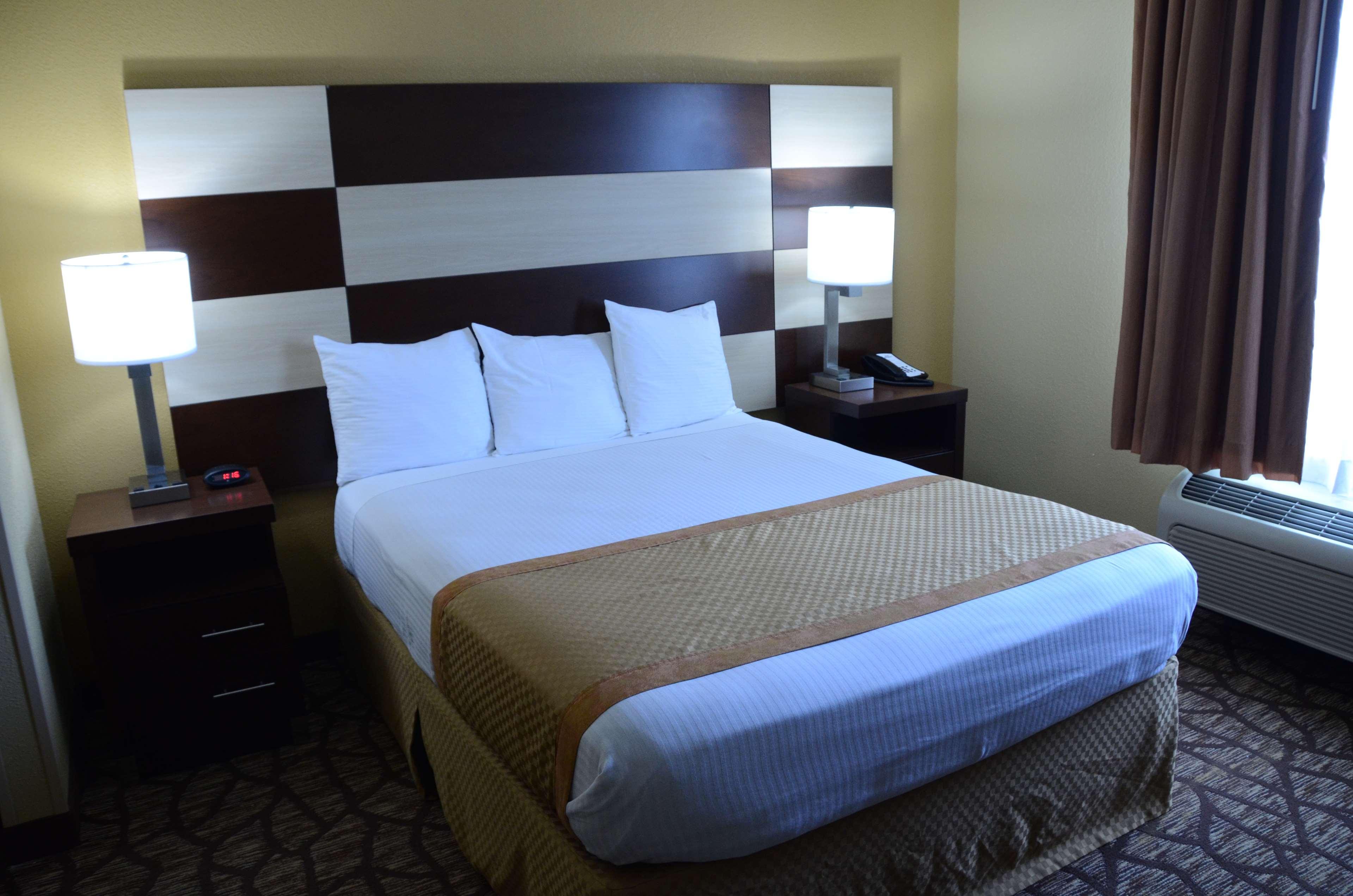 Best Western Joliet Inn & Suites image 21