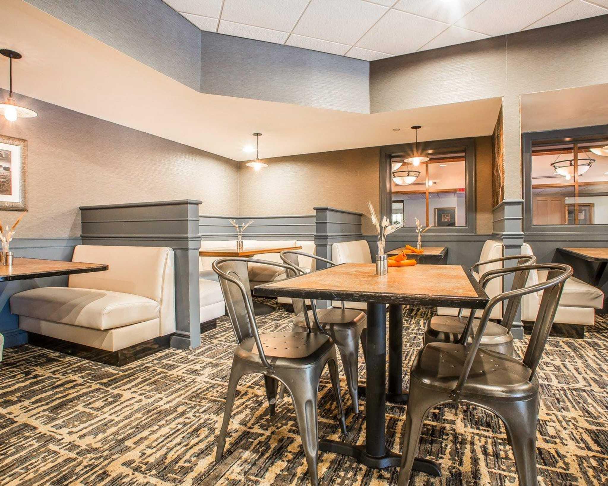 Clarion Hotel Highlander Conference Center image 21