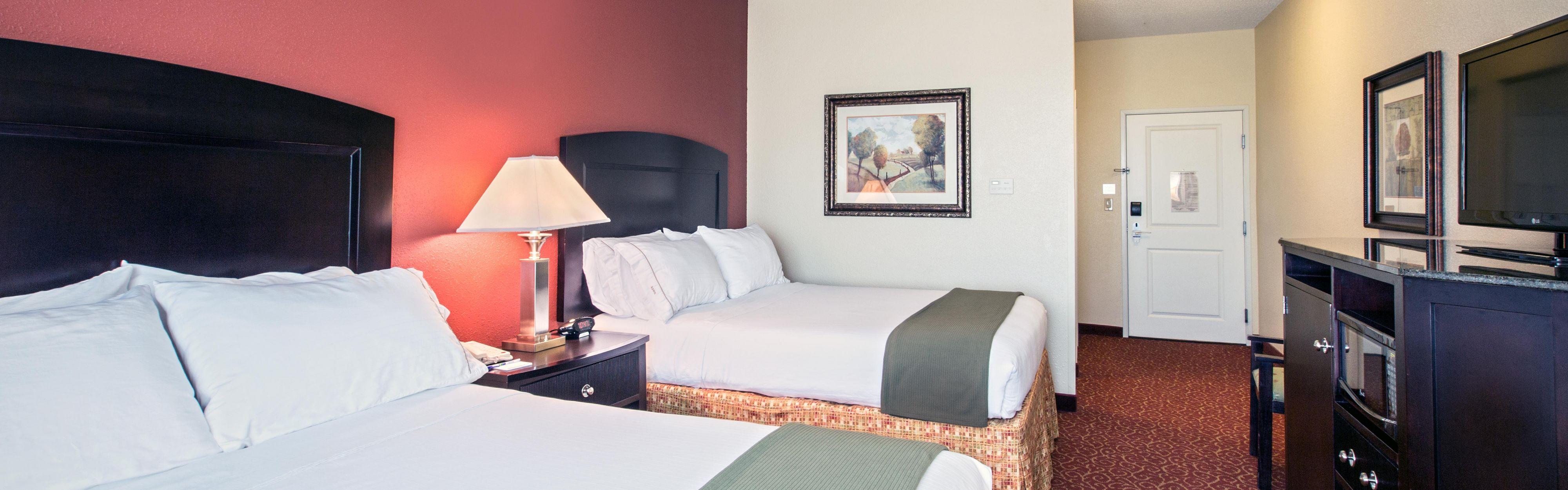 Holiday Inn Express & Suites Vandalia image 1
