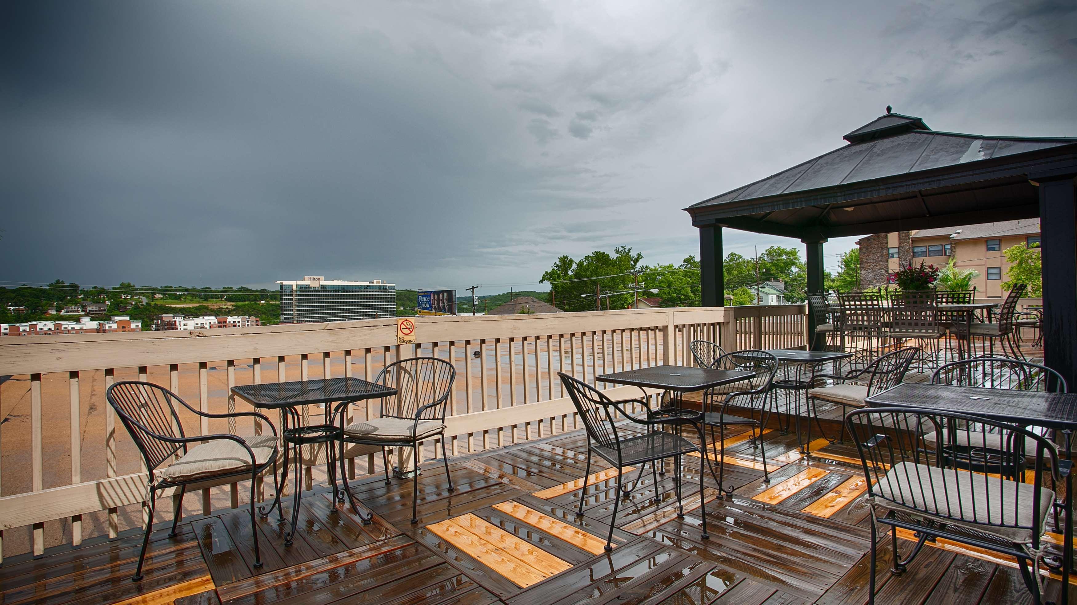 Best Western Plus Landing View Inn Amp Suites At 403 W Main