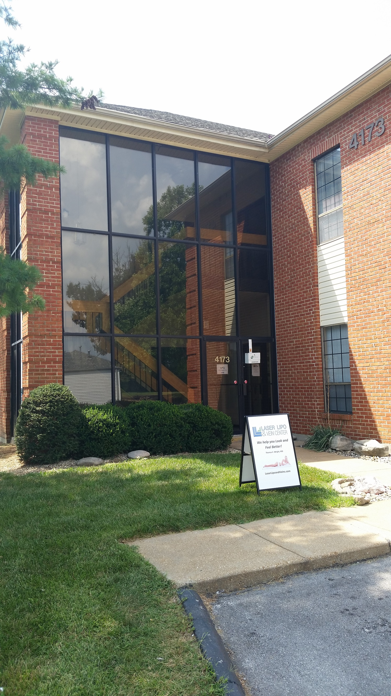 St Louis Laser Vein Center image 5