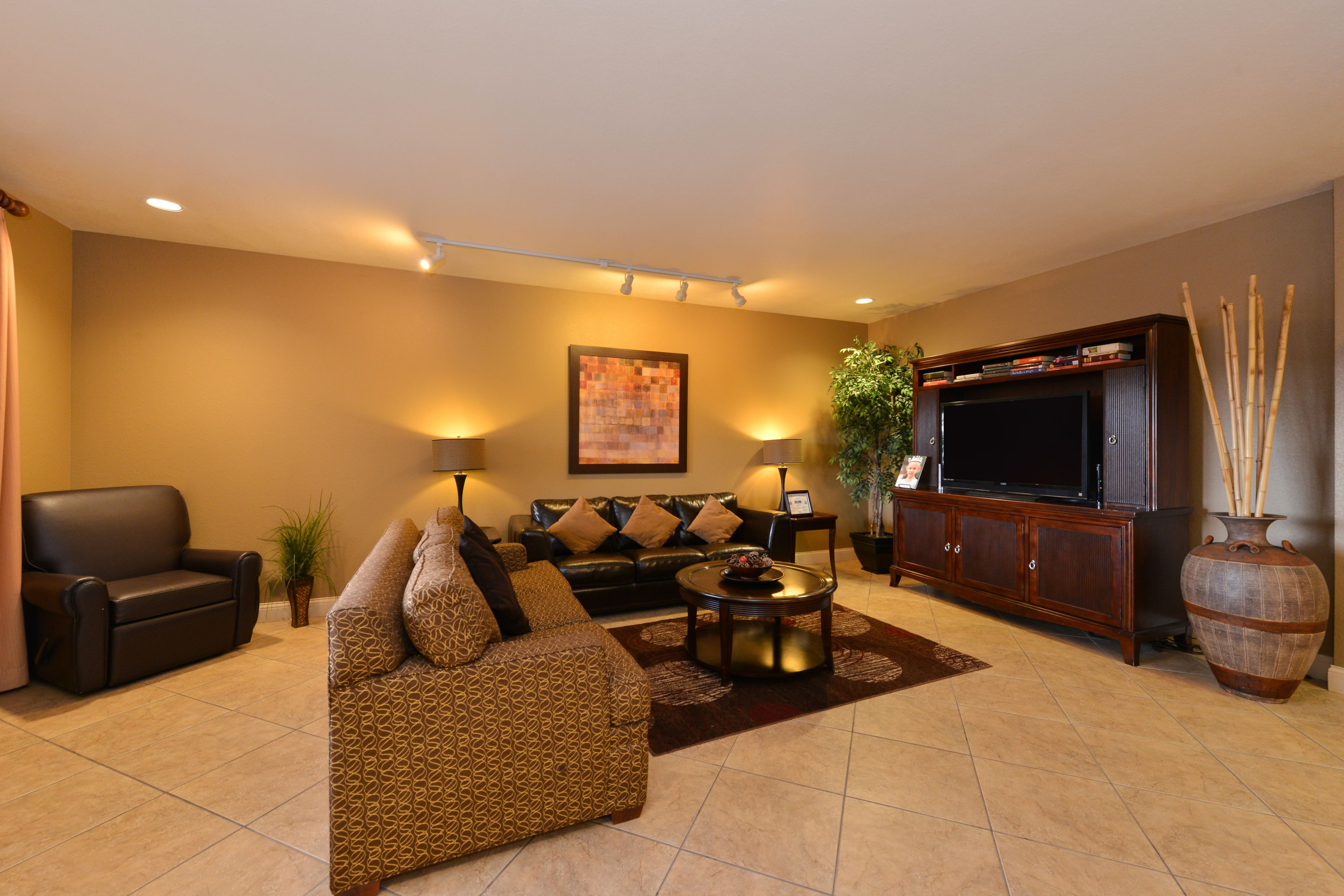 Candlewood Suites Bloomington-Normal image 3