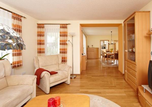 bau reparatur und einrichtung dekoration in uffenheim. Black Bedroom Furniture Sets. Home Design Ideas