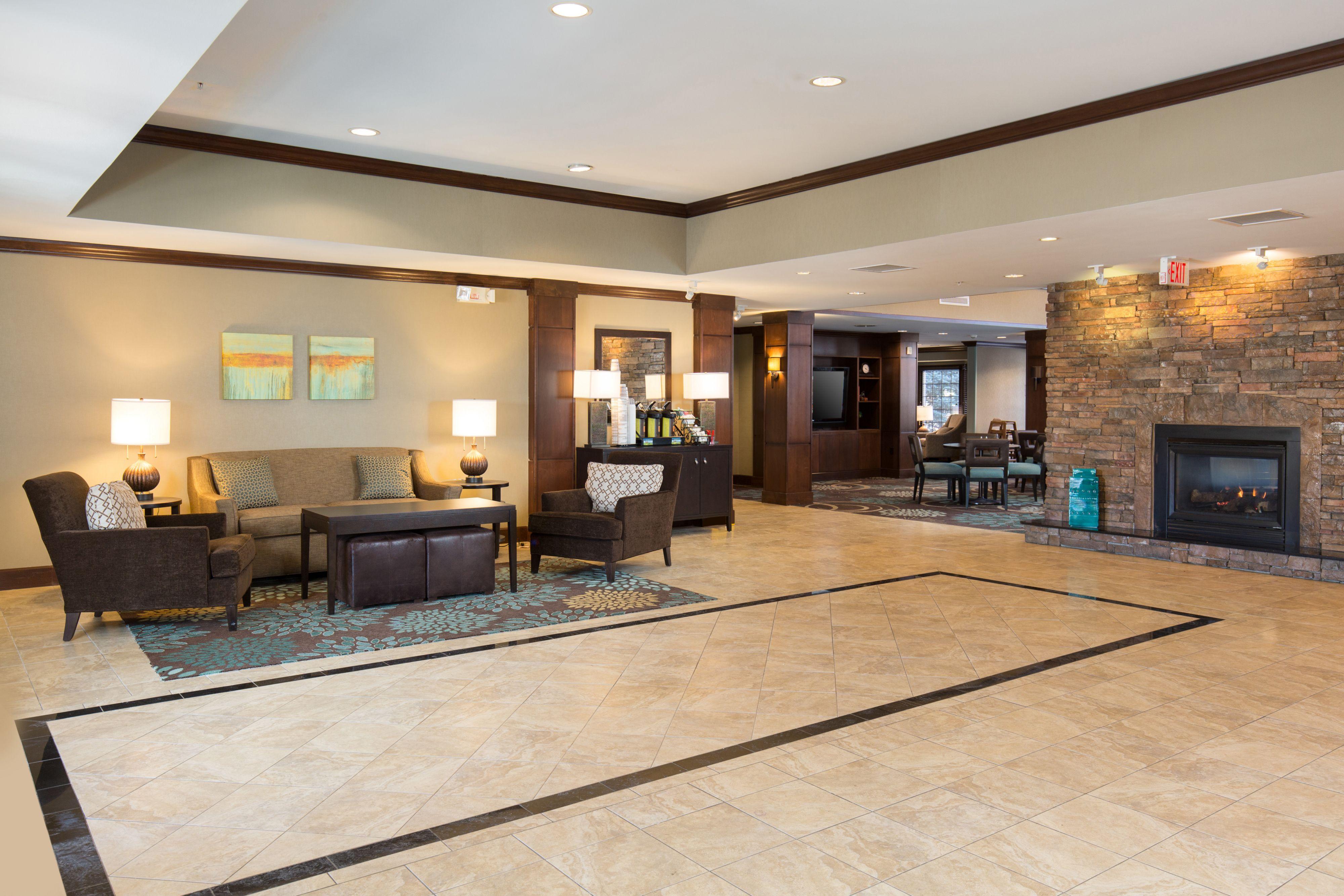 Staybridge Suites Toledo - Maumee image 4