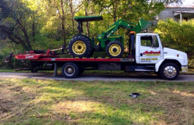 Holbrook Towing image 2