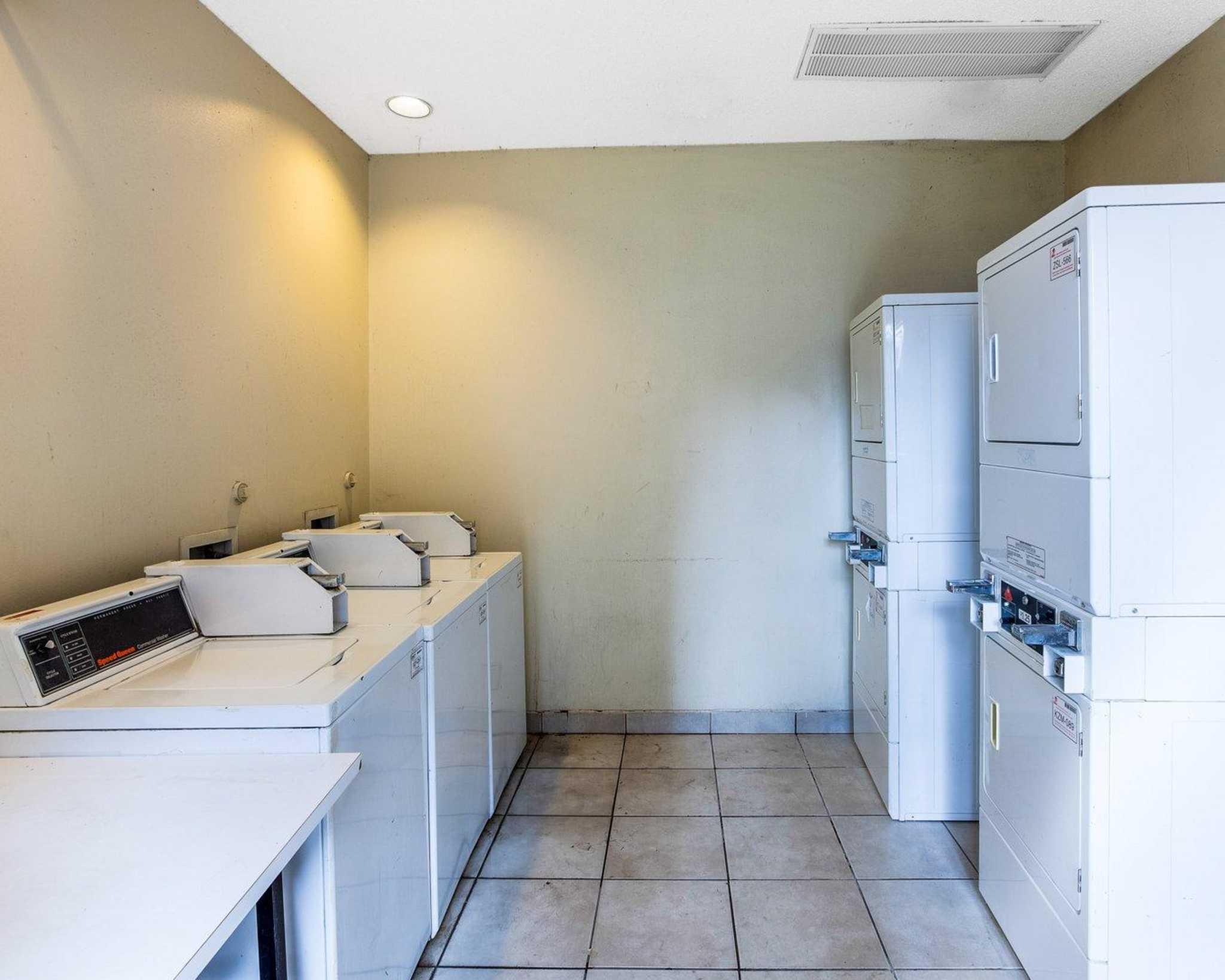 Rodeway Inn & Suites Fiesta Park image 42