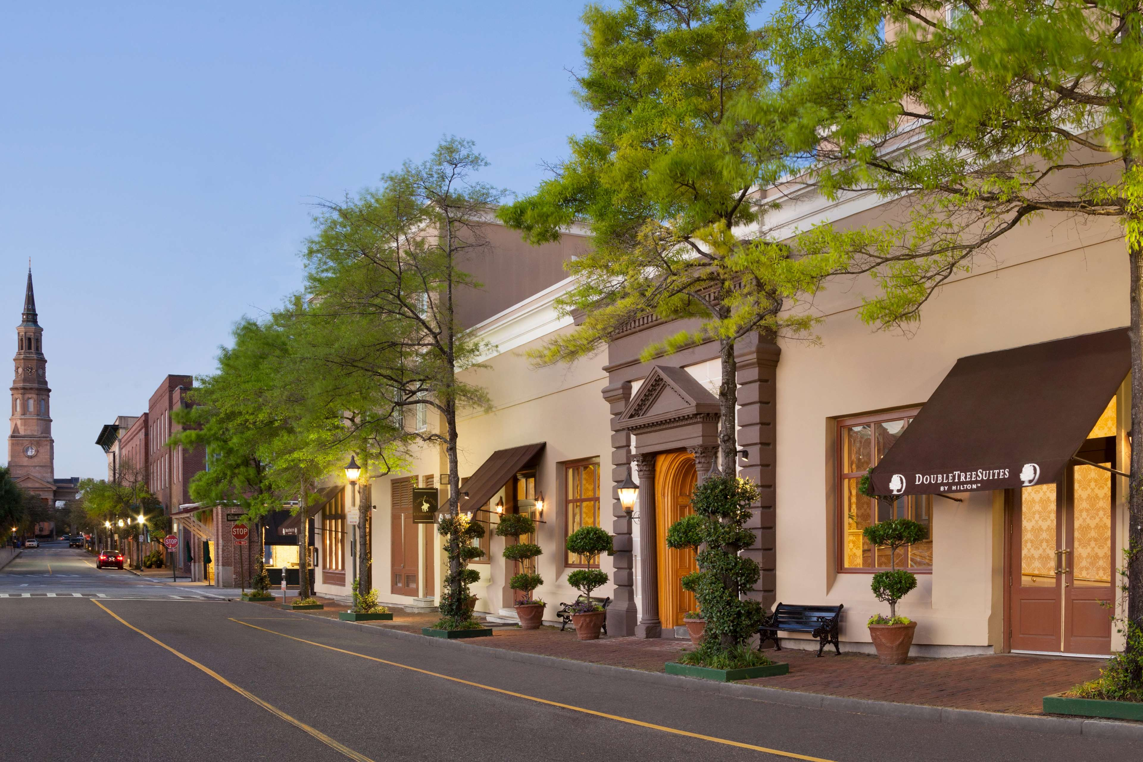 DoubleTree by Hilton Hotel & Suites Charleston - Historic District image 1
