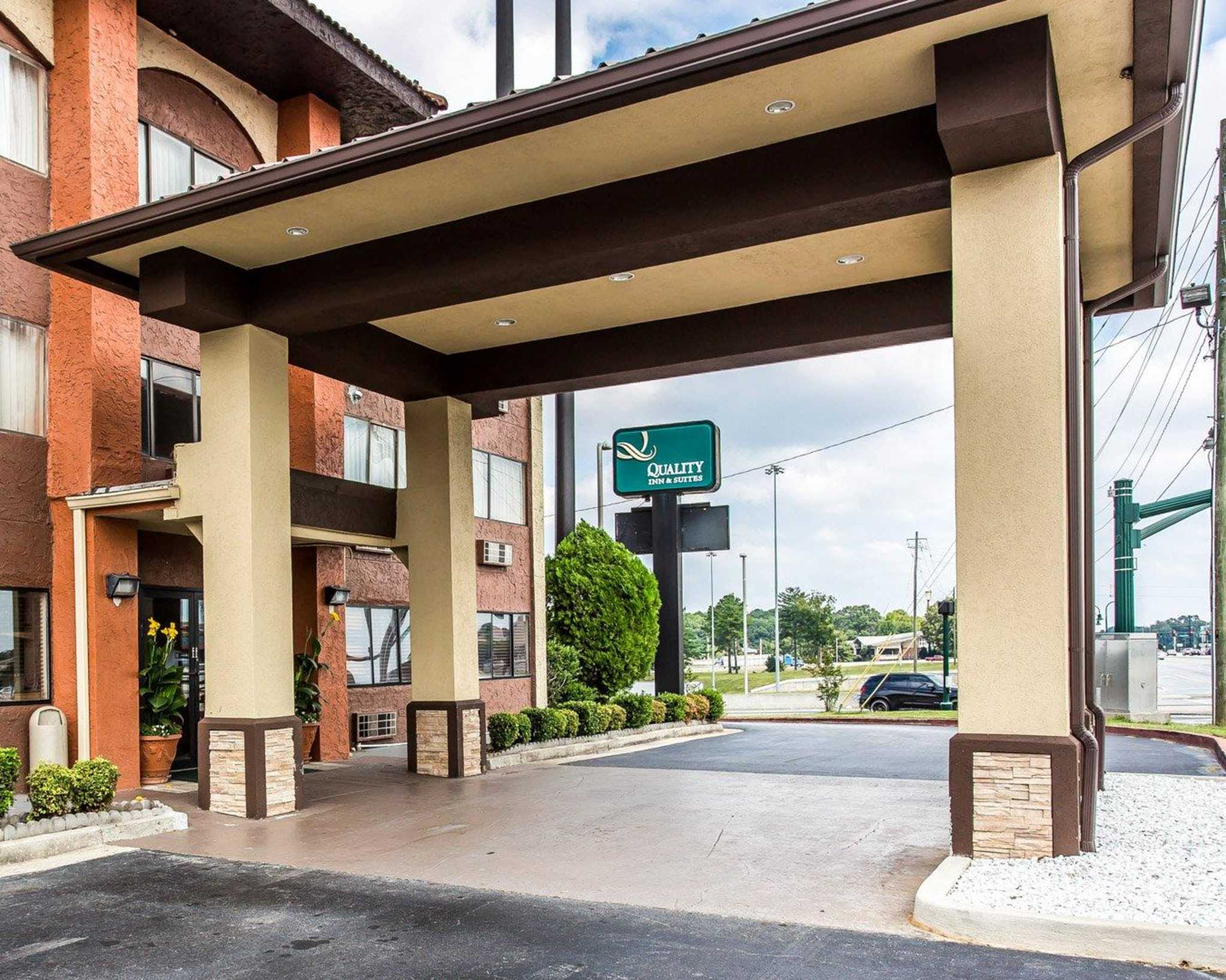 Quality Inn & Suites Southlake image 2