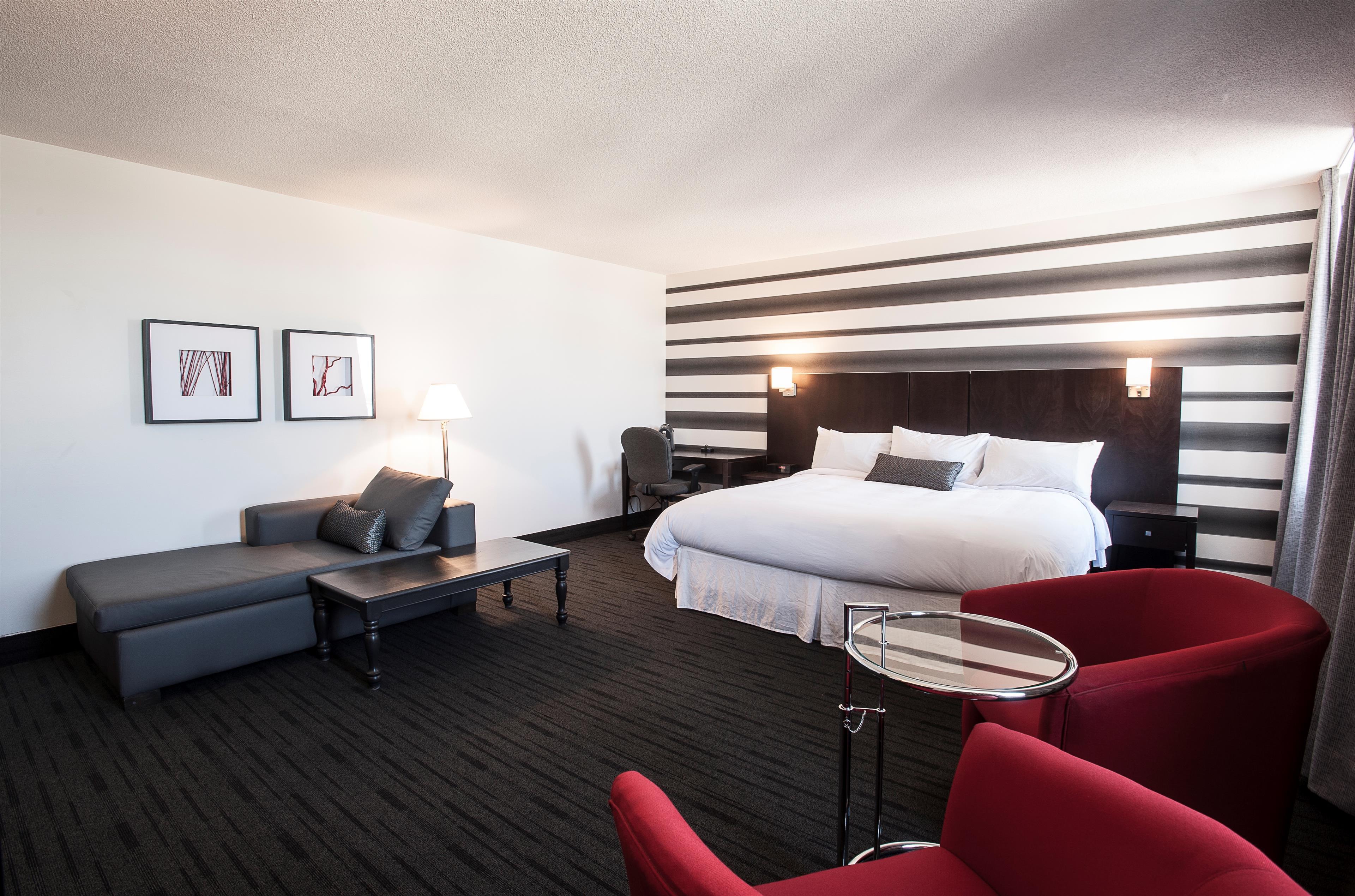 Best Western Plus Hotel Albert Rouyn-Noranda à Rouyn-Noranda: Deluxe King Bed Guest Room