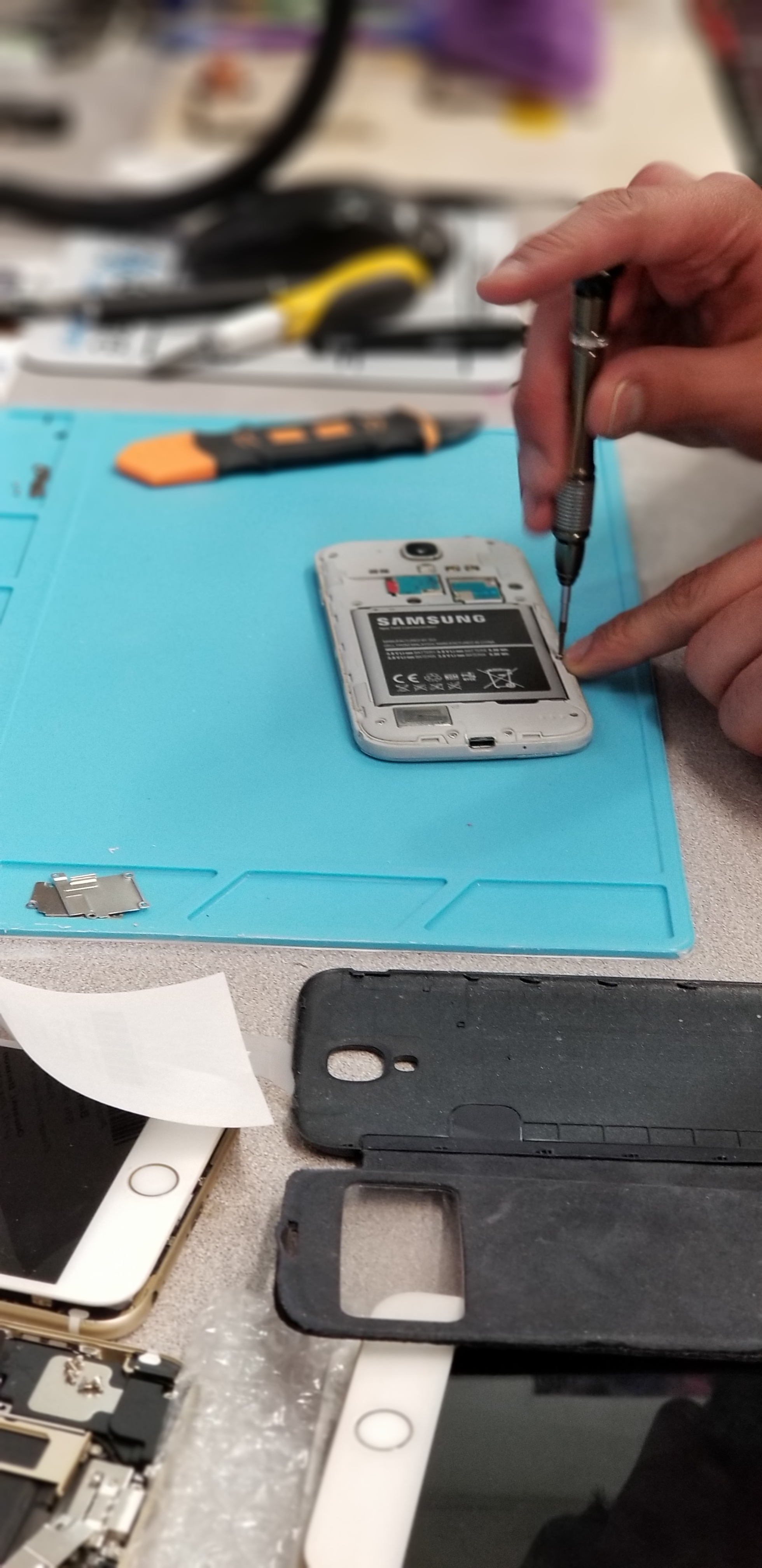 CPR Cell Phone Repair Chicago - West Peterson image 4
