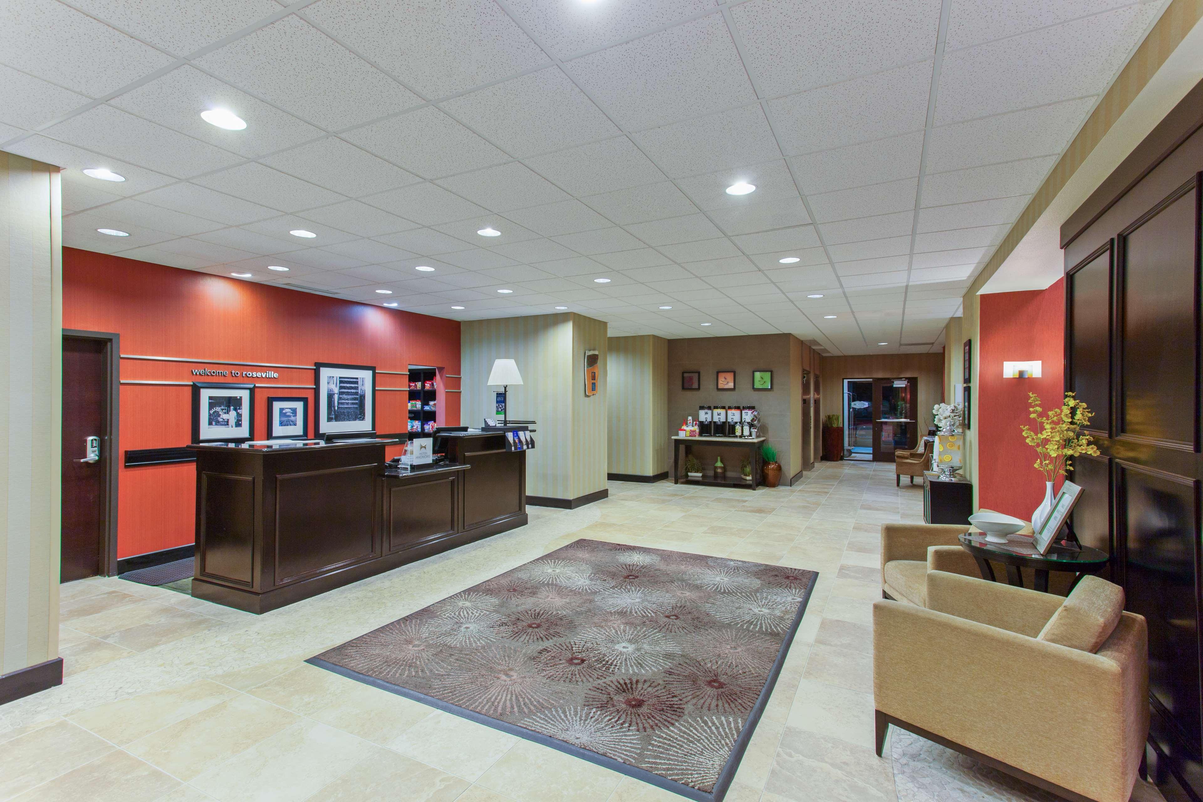 Hampton Inn & Suites Roseville image 1