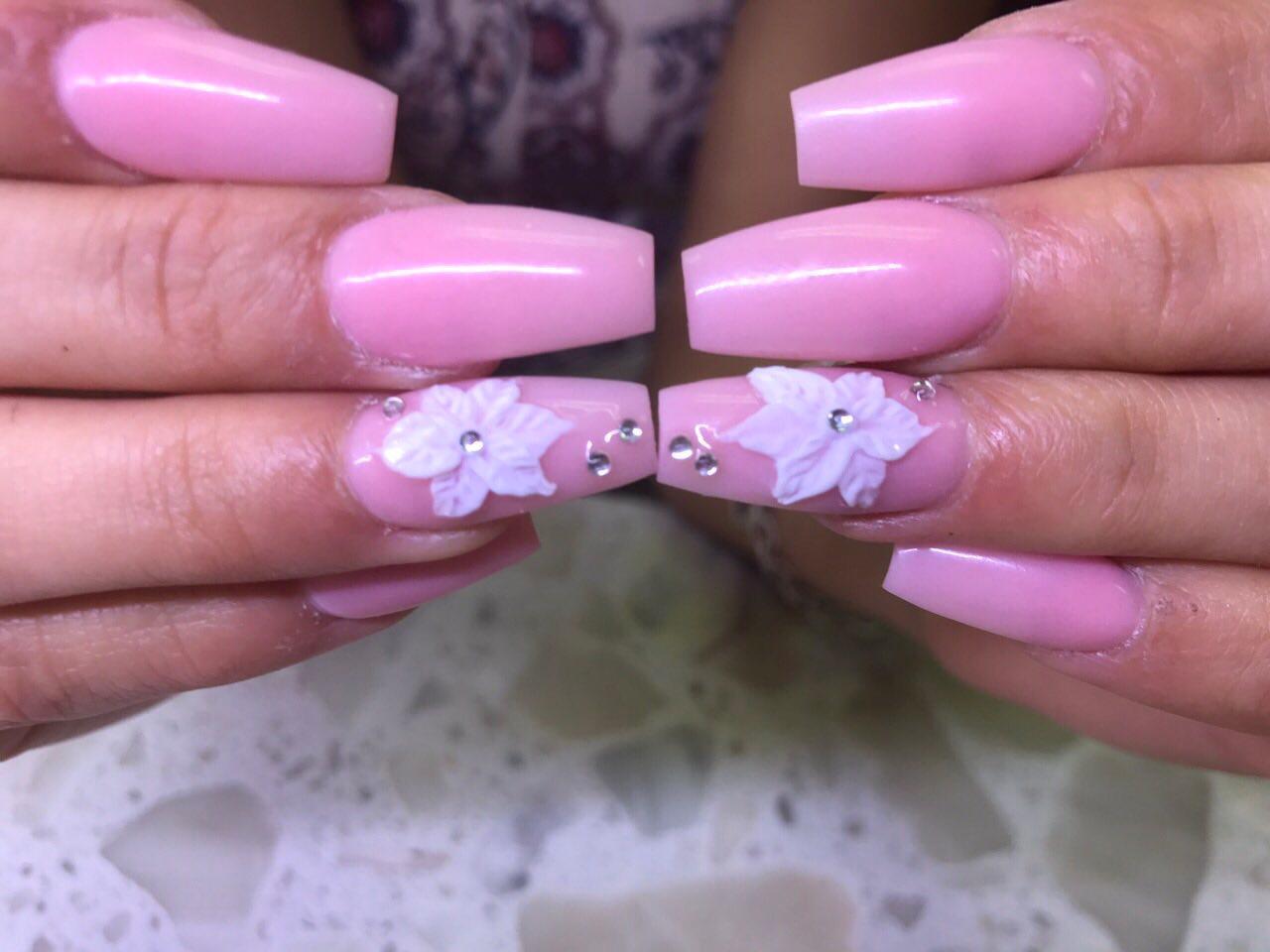 Serene Nails image 44