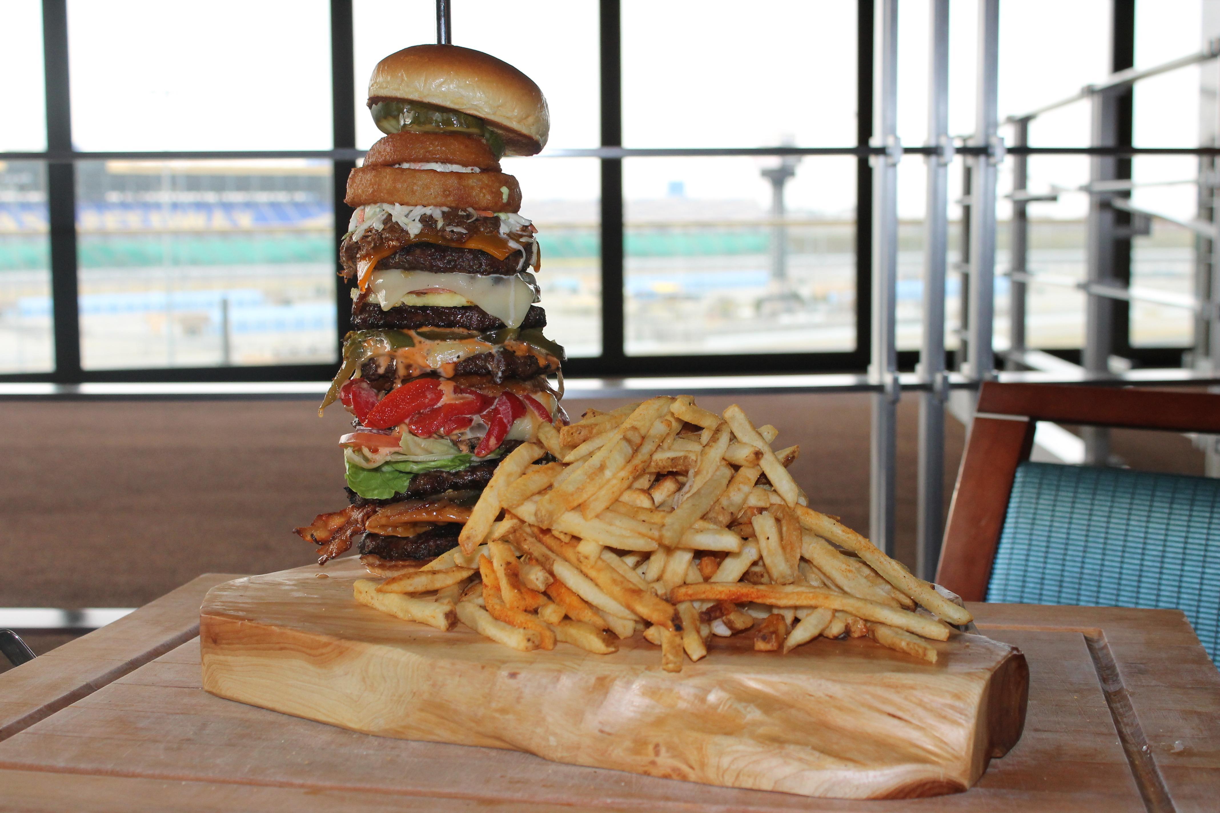 Turn 2 Sports Bar & Restaurant image 4