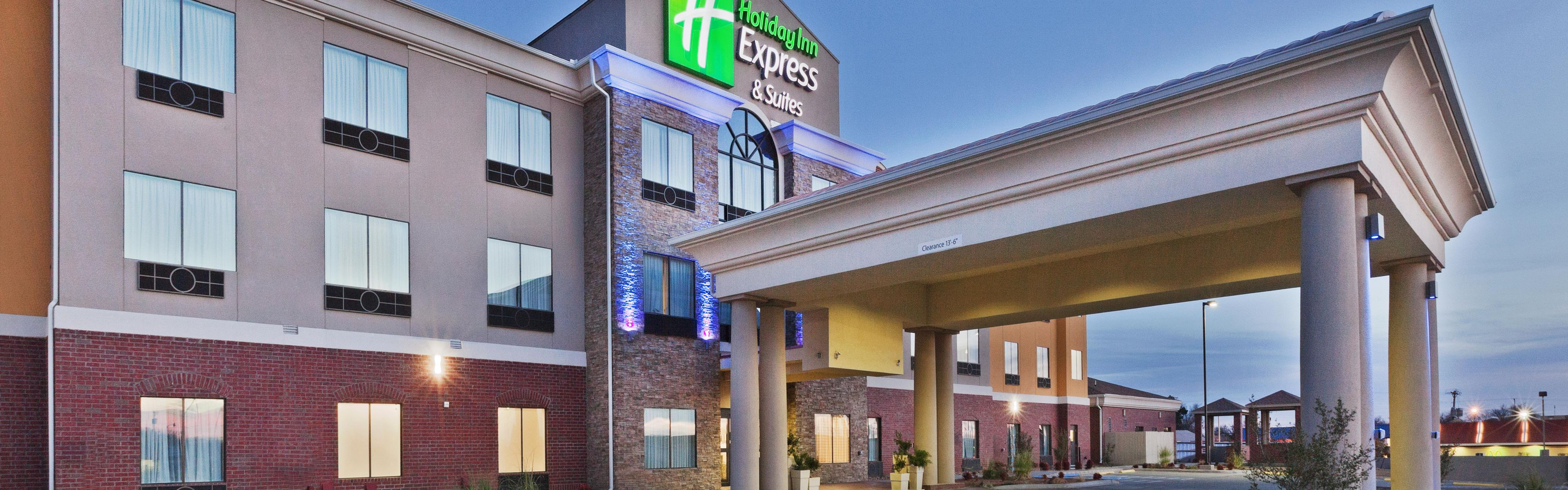 Holiday Inn Express & Suites Brownfield image 0