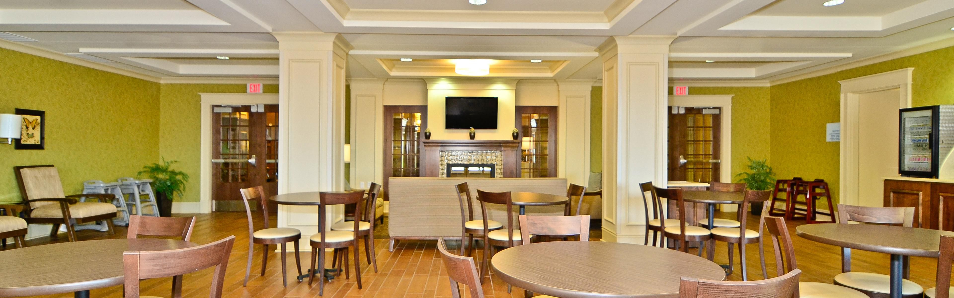 Holiday Inn Express & Suites Williston image 3
