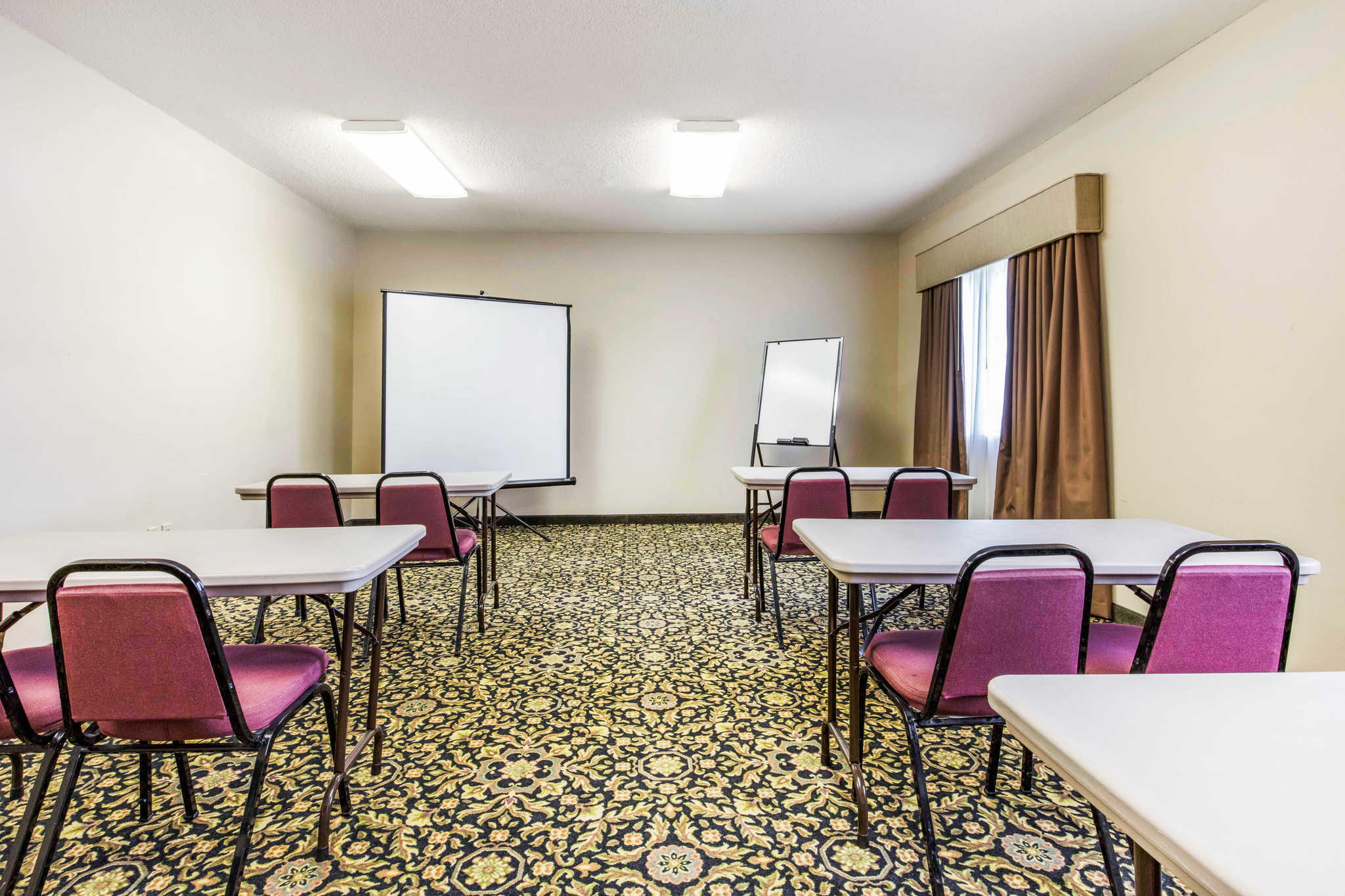 Quality Inn & Suites Jackson Int'l Airport image 30