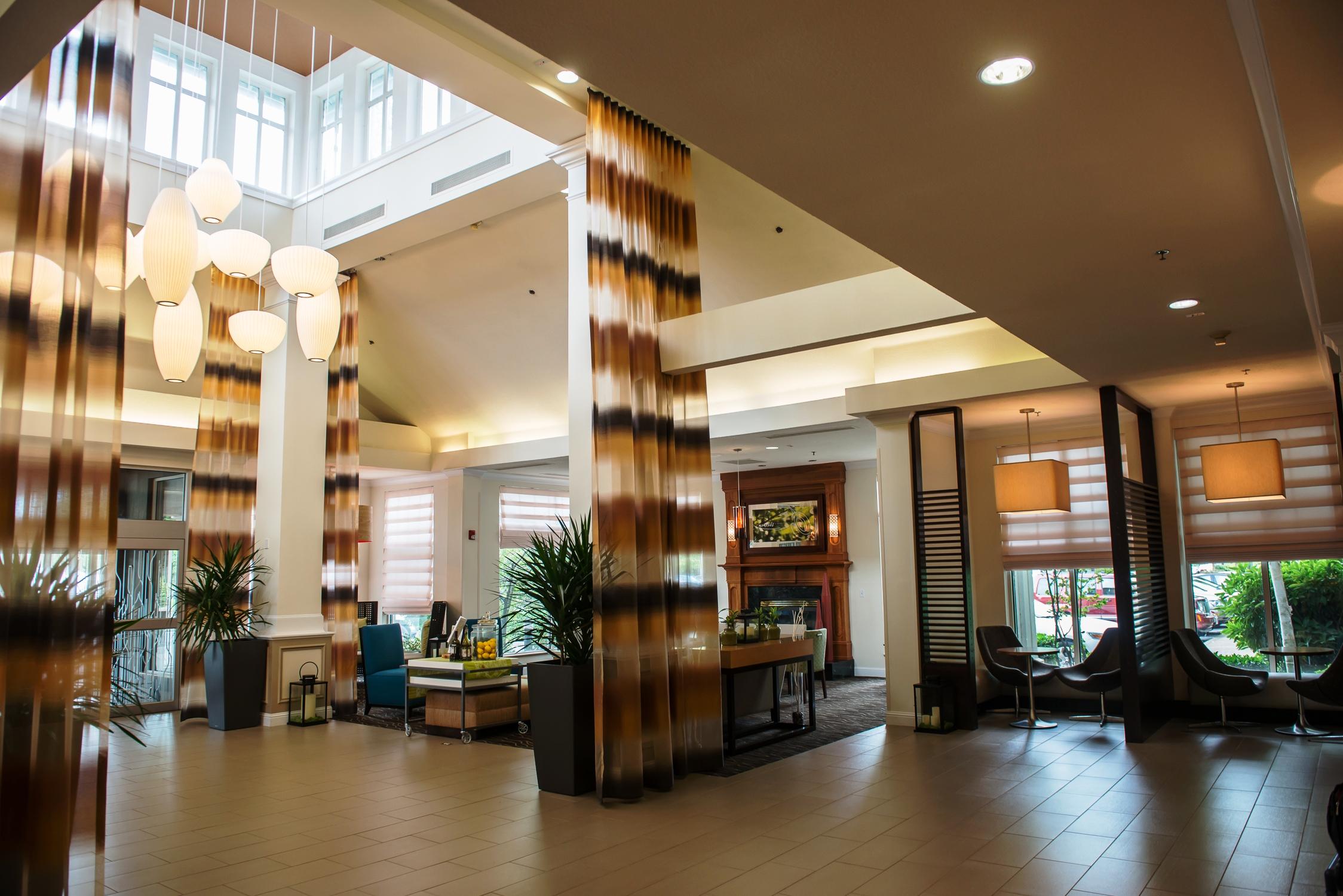 hilton garden inn portland airport in portland or. Black Bedroom Furniture Sets. Home Design Ideas