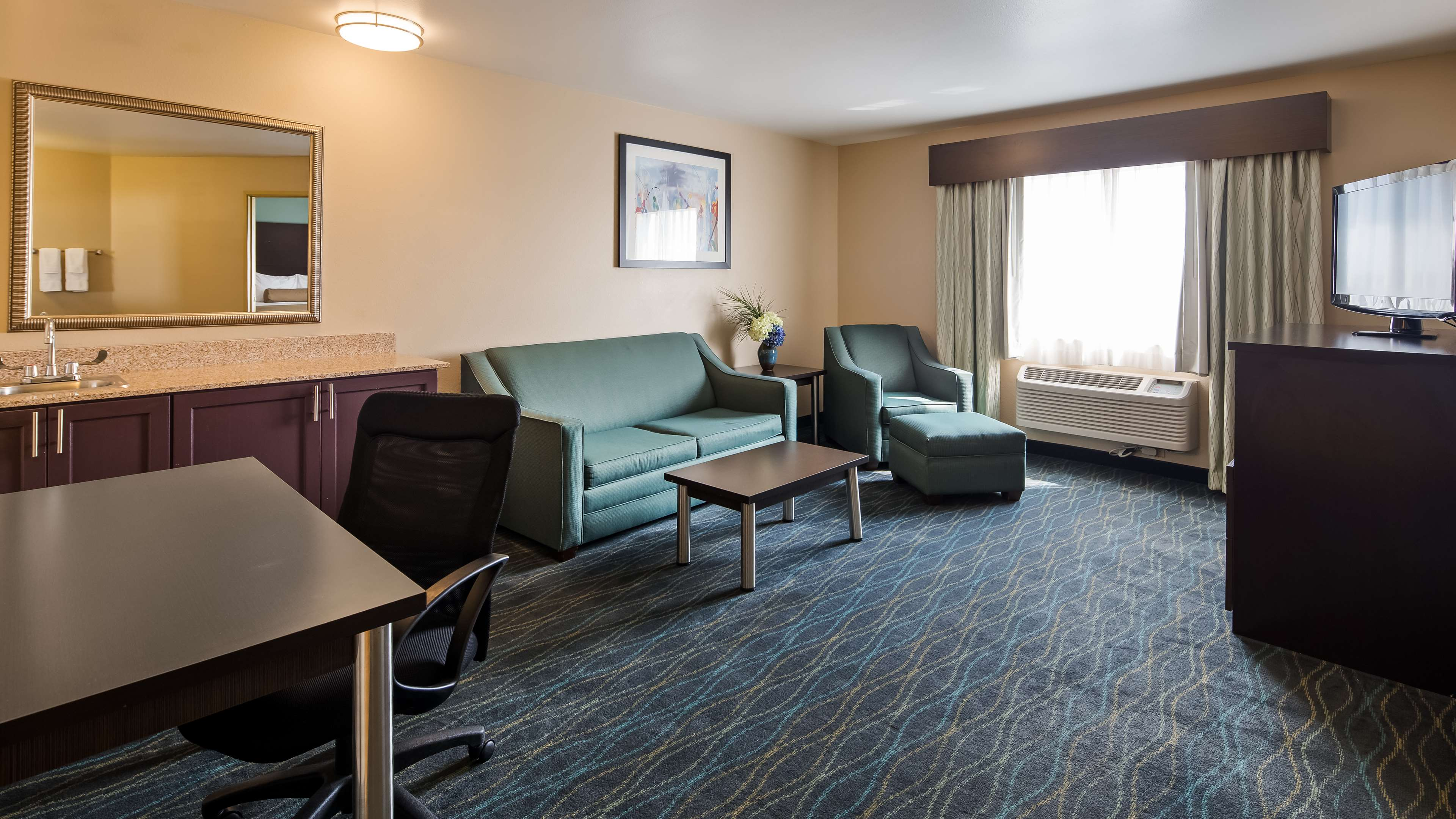 Best Western Plus University Inn image 11