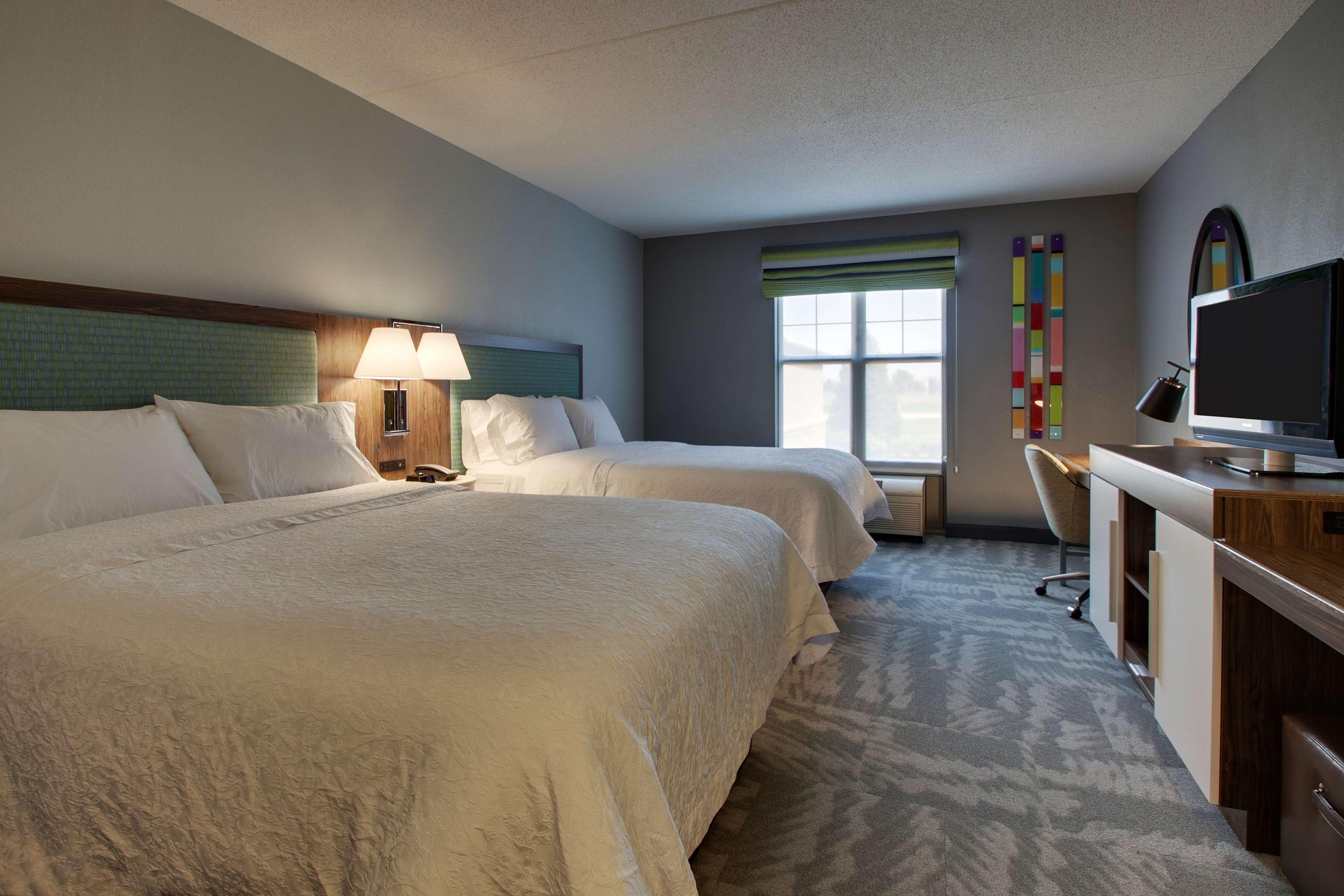 Hampton Inn & Suites Chicago/Aurora image 16