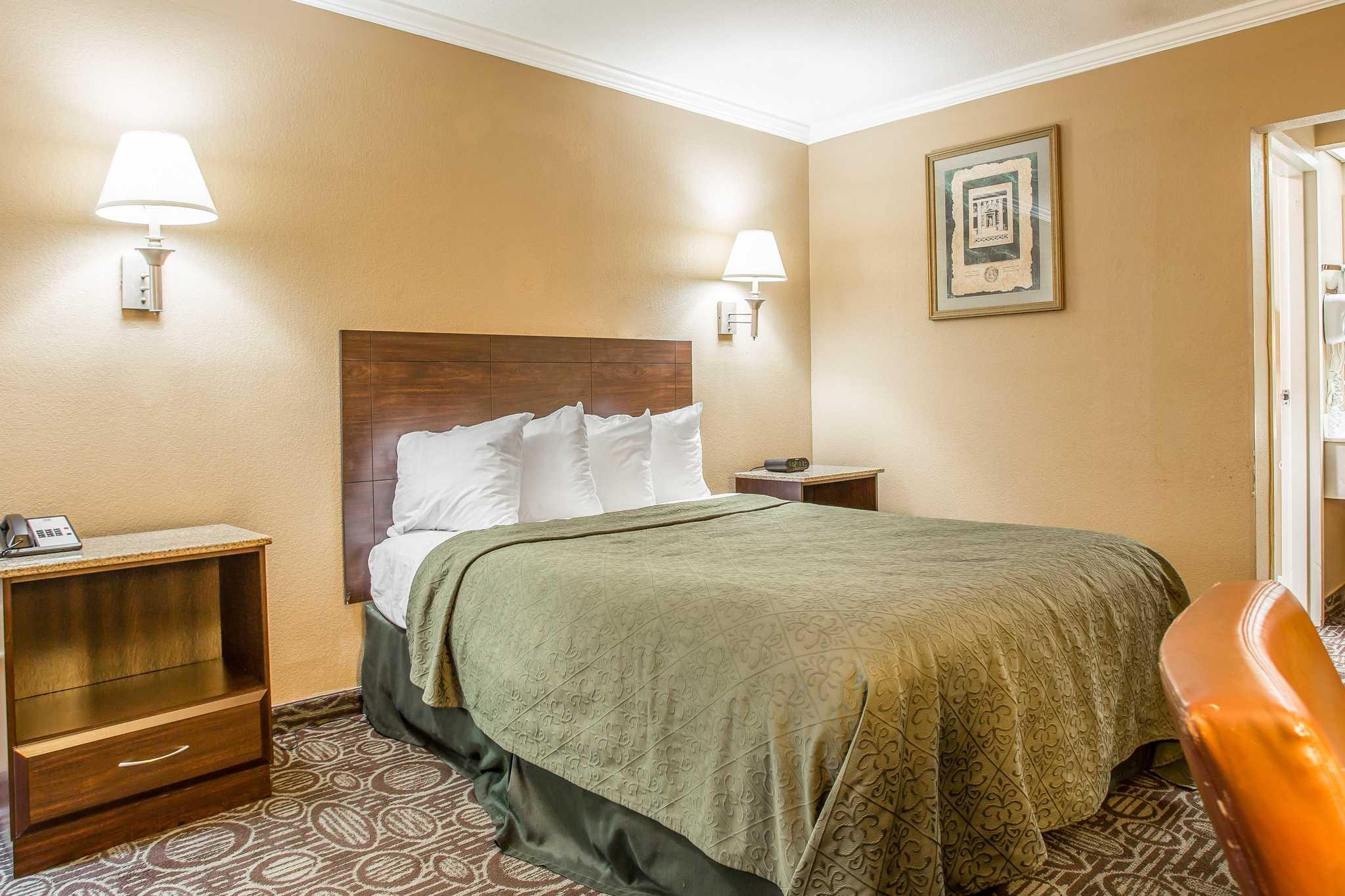 Quality Inn & Suites Ft. Jackson Maingate image 14
