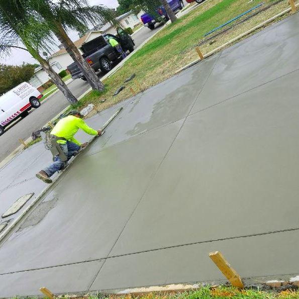 WM Reyes Construction image 1