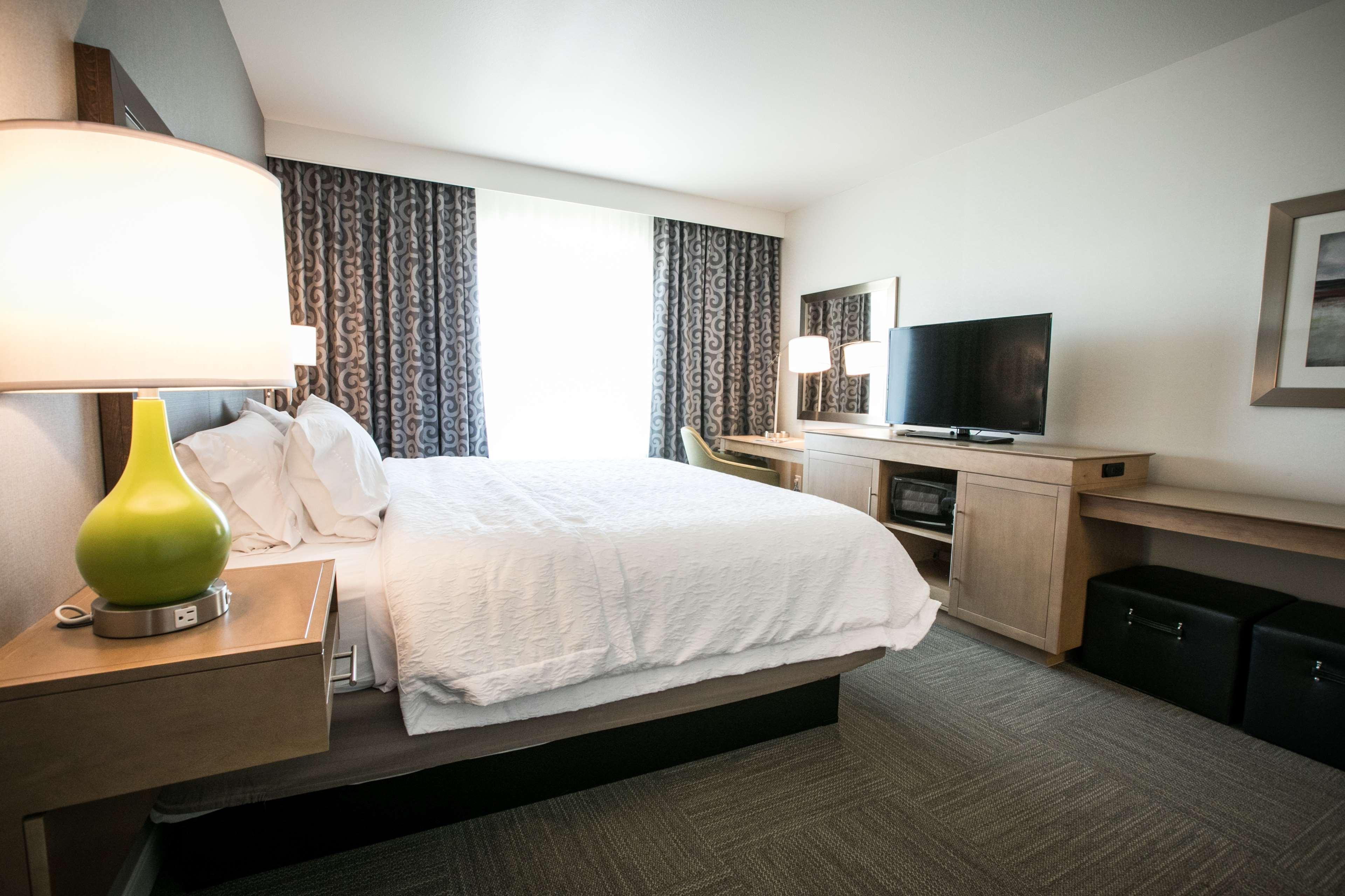 Hampton Inn & Suites Tempe - Phoenix Airport image 41