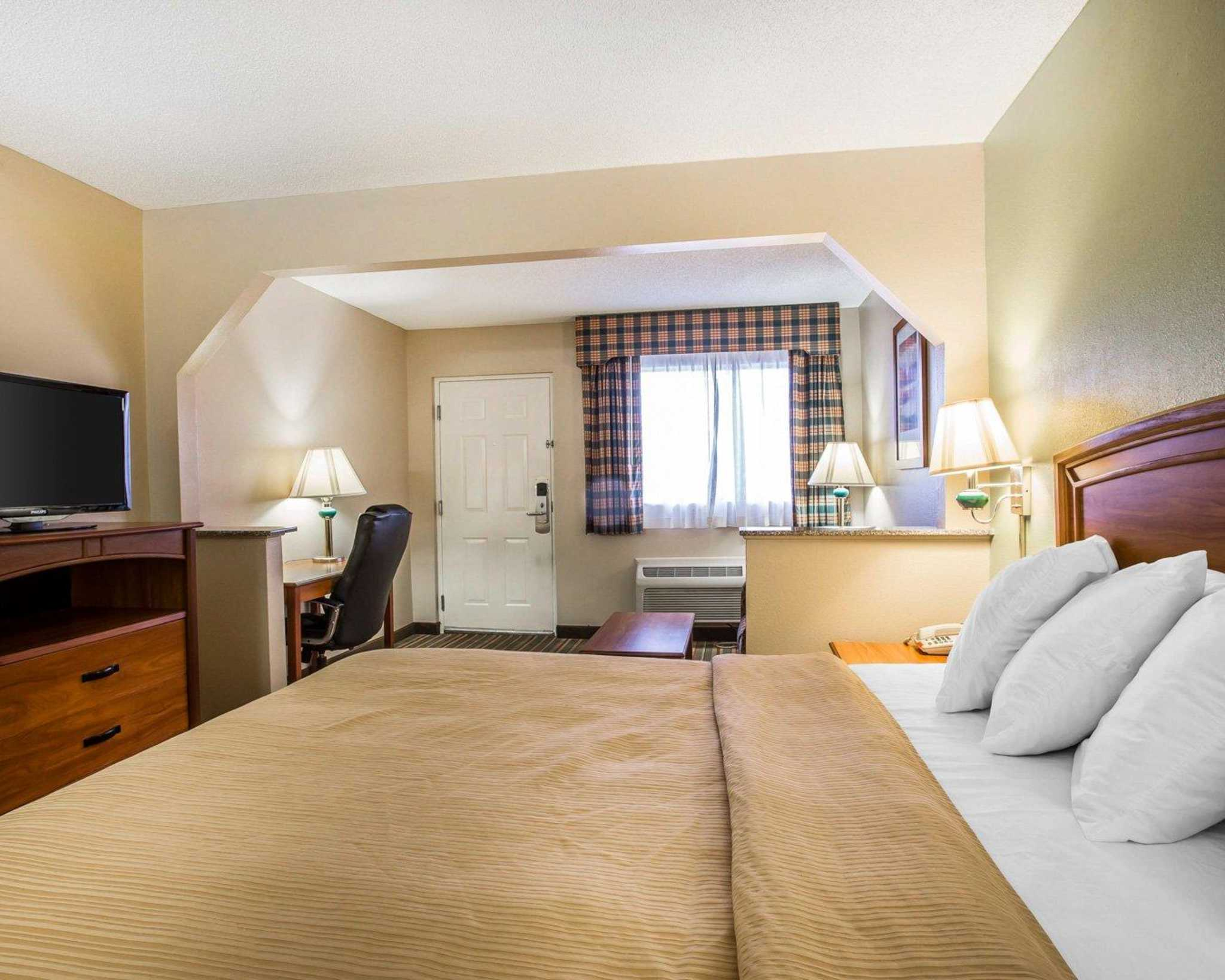 Quality Inn & Suites Dublin image 16