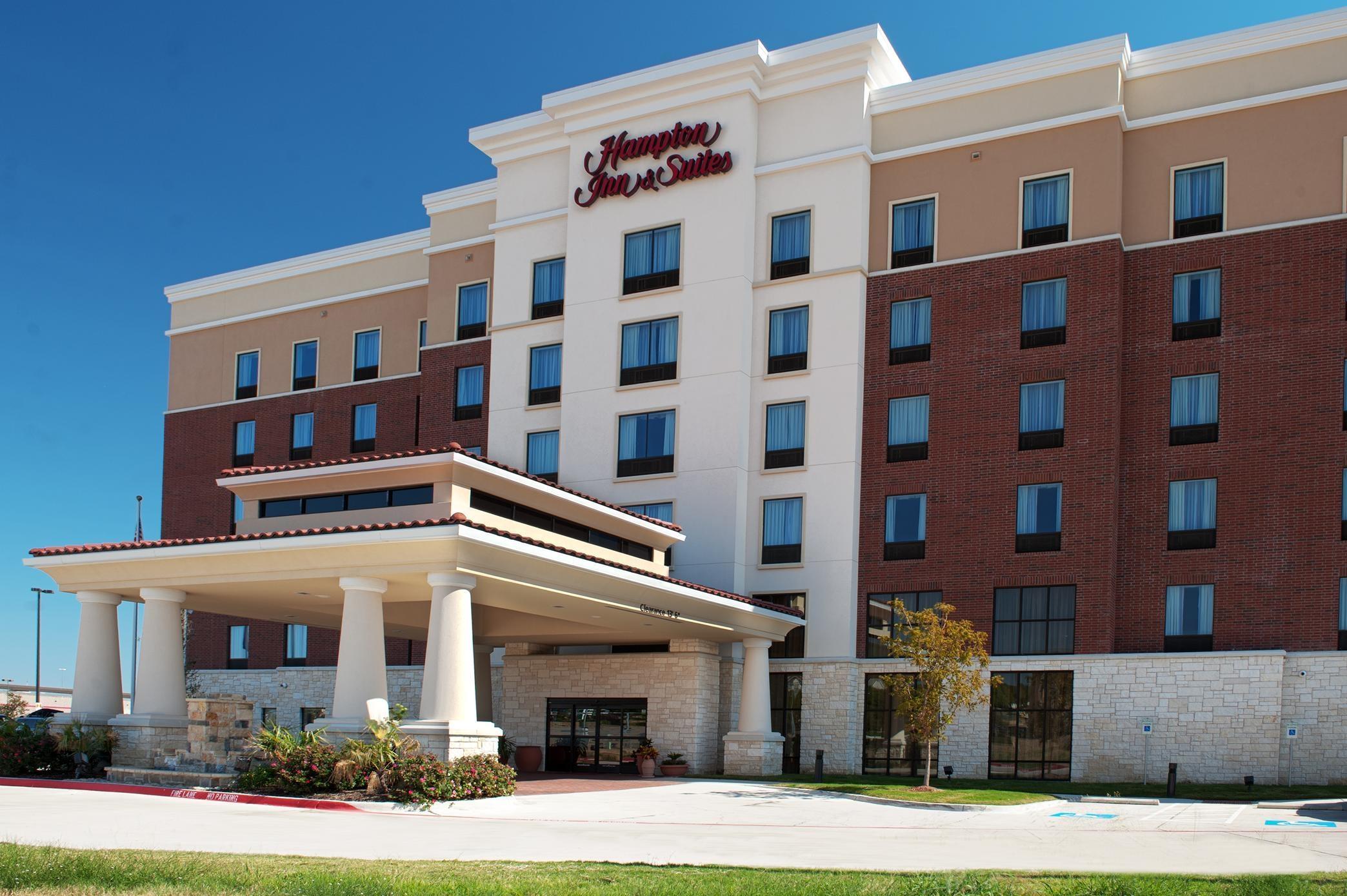 Hampton Inn & Suites Dallas/Lewisville-Vista Ridge Mall, TX image 3