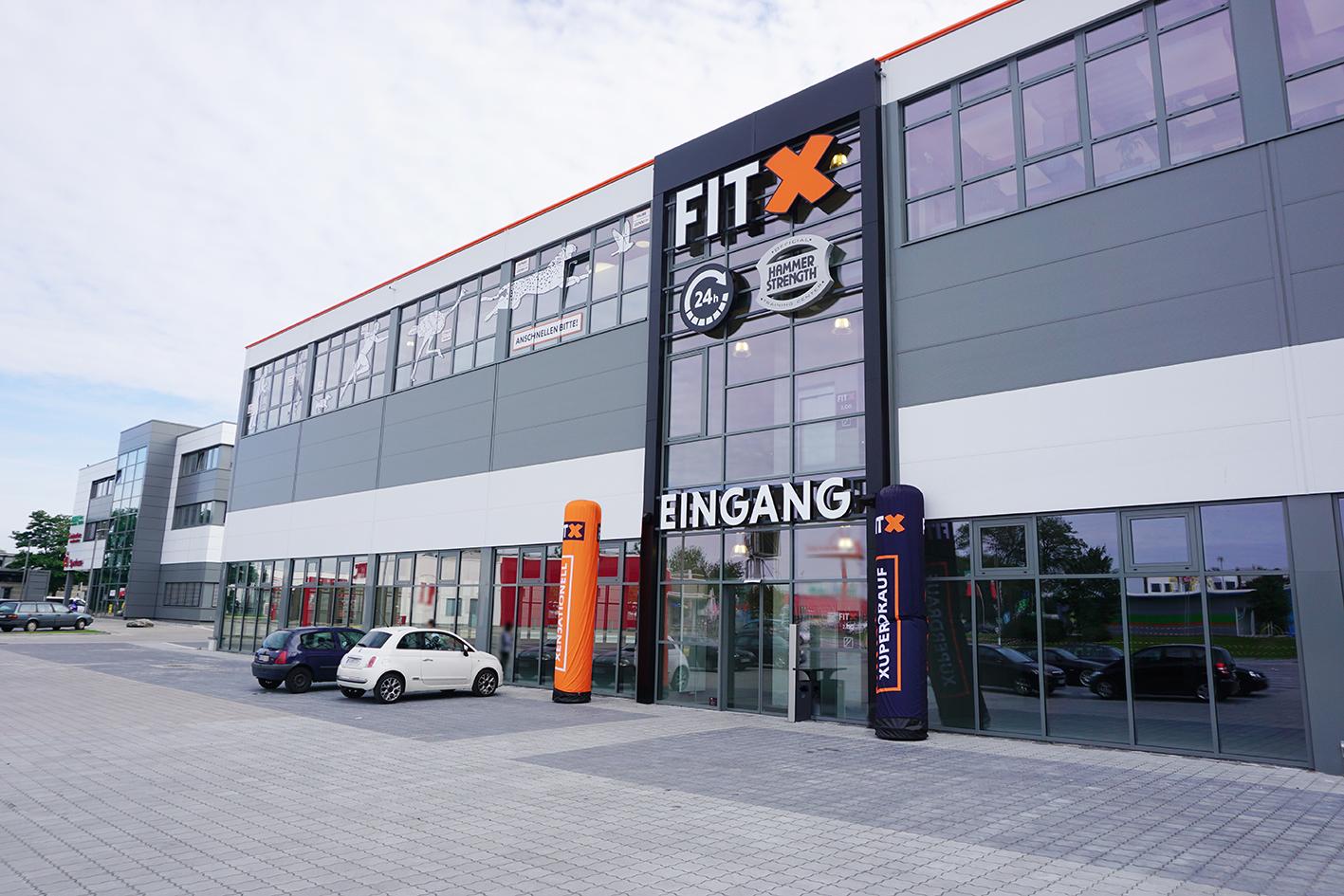 FitX Fitnessstudio, Bei der Lohmühle 84 in Lübeck