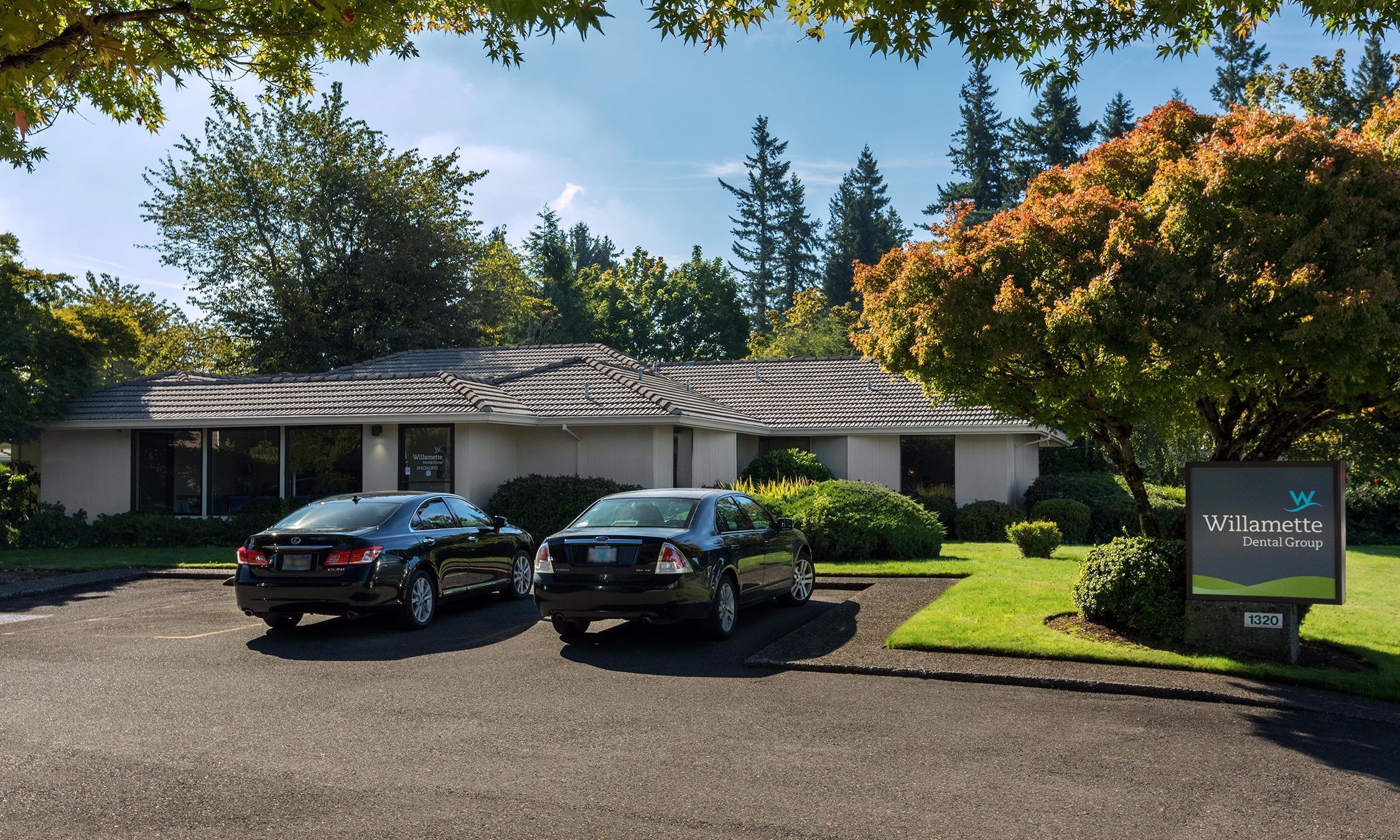 Willamette Dental Group - Portland - Gateway Specialty - Closed image 0
