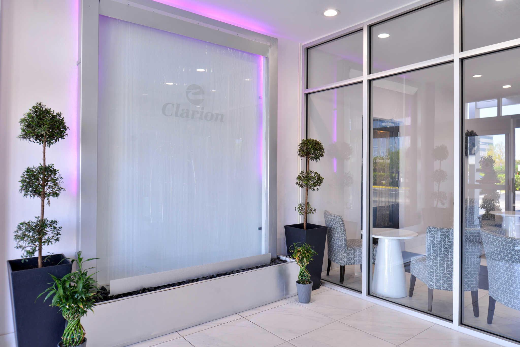 Clarion Inn & Suites Orlando near Theme Parks image 3