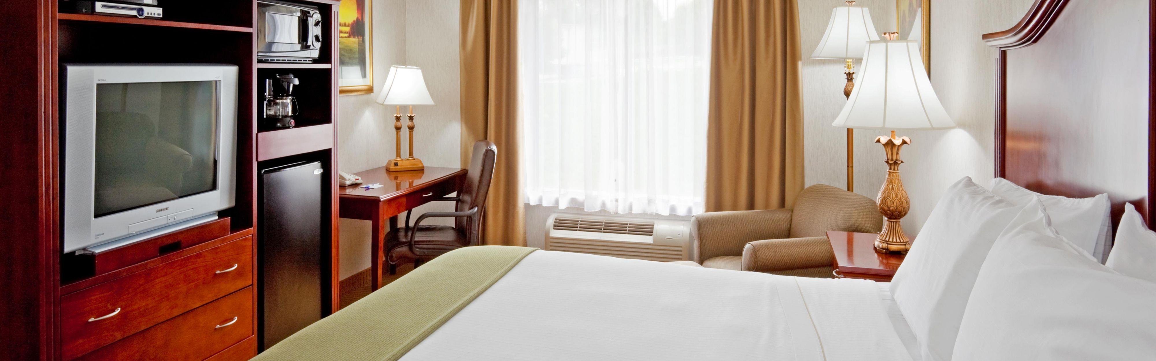 Holiday Inn Express & Suites Newton Sparta image 1