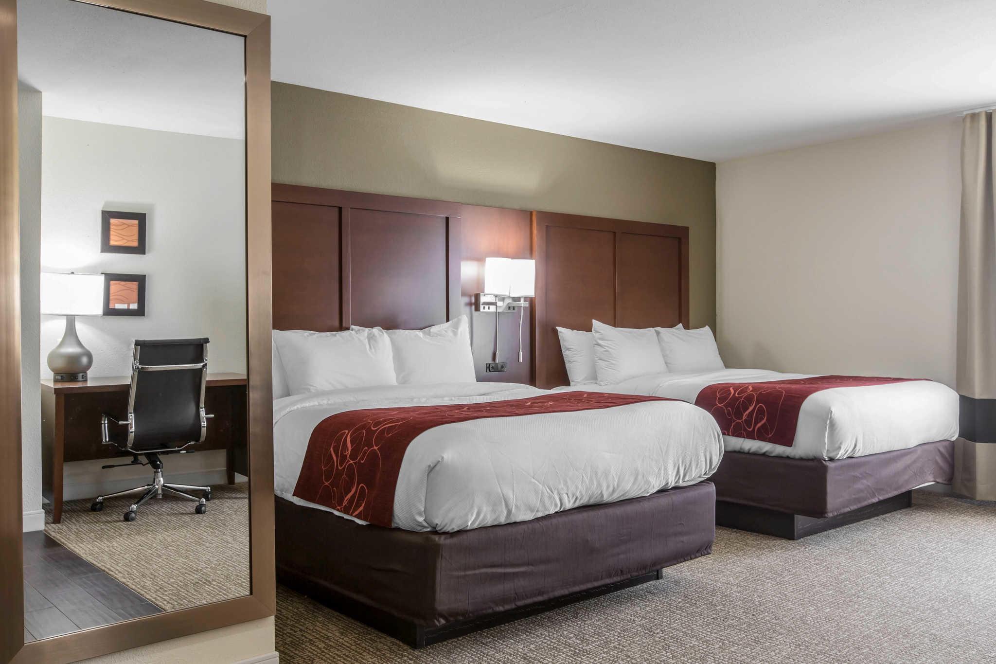 Comfort Inn & Suites West image 19