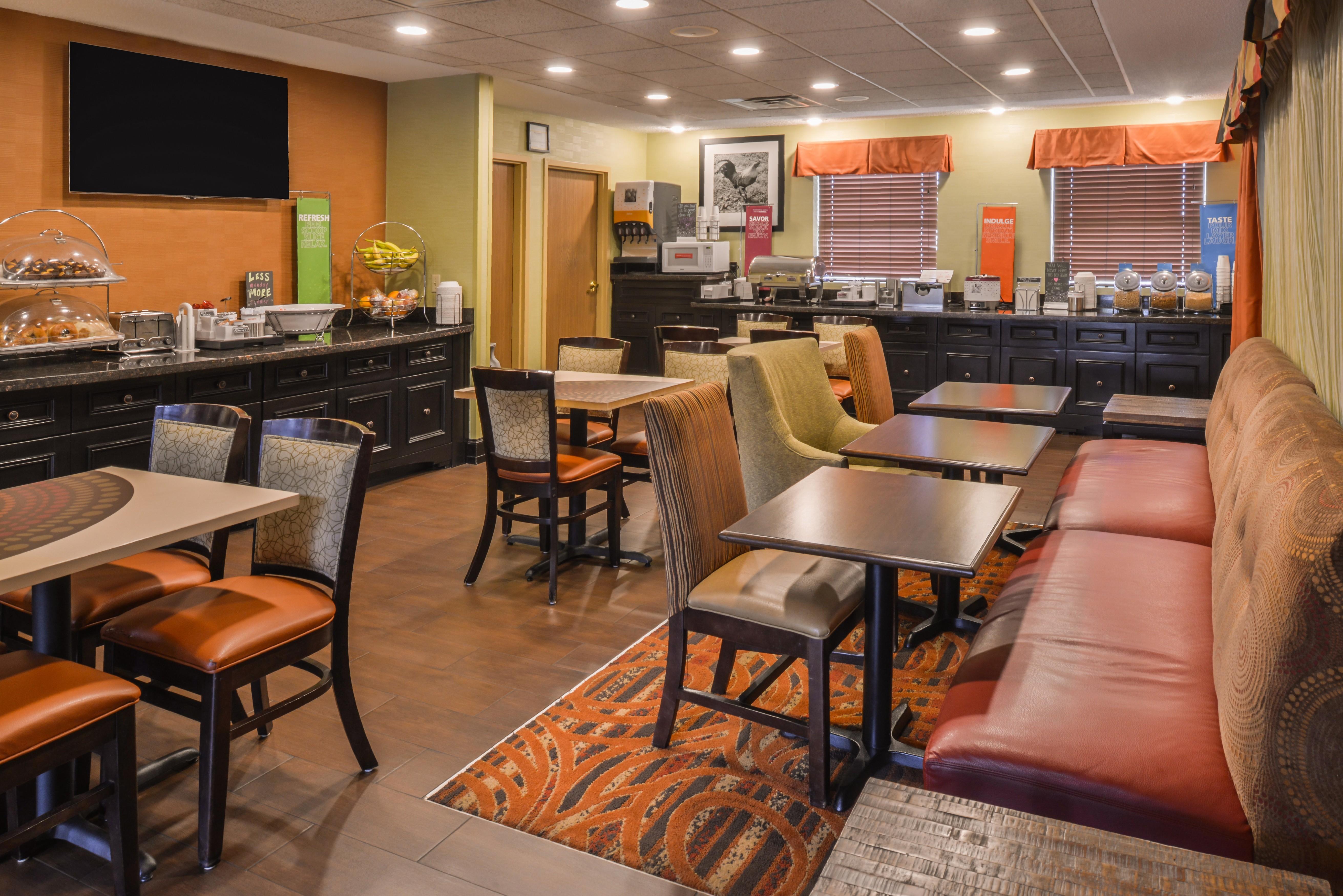 Hampton Inn Elkhart image 18