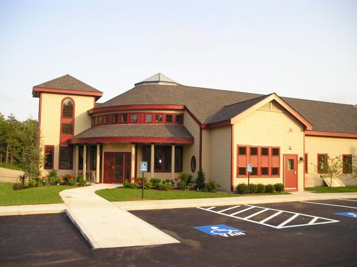 VCA Plymouth Animal Hospital and Pet Resort image 7