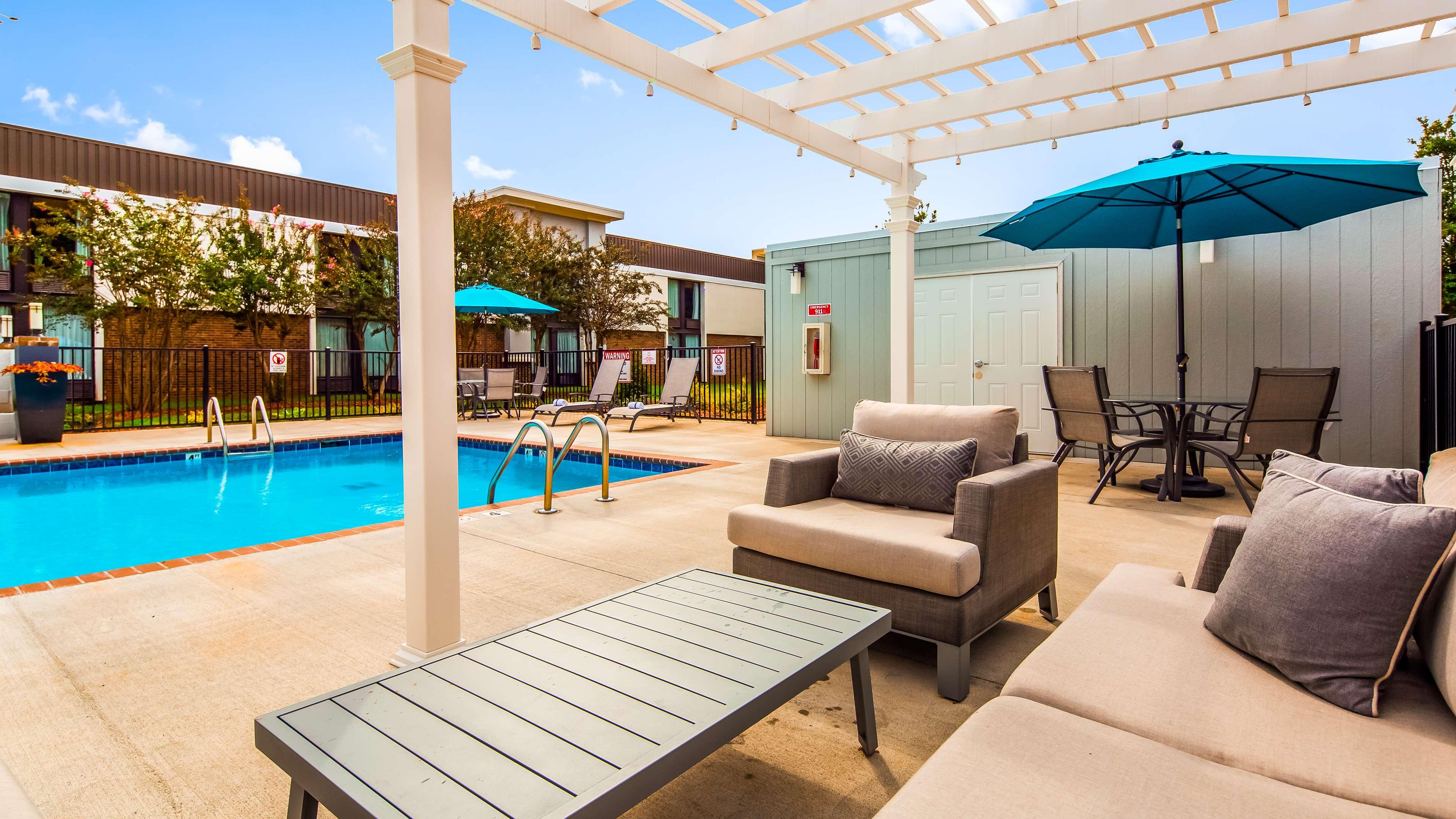 Best Western Plus Yadkin Valley Inn & Suites image 5