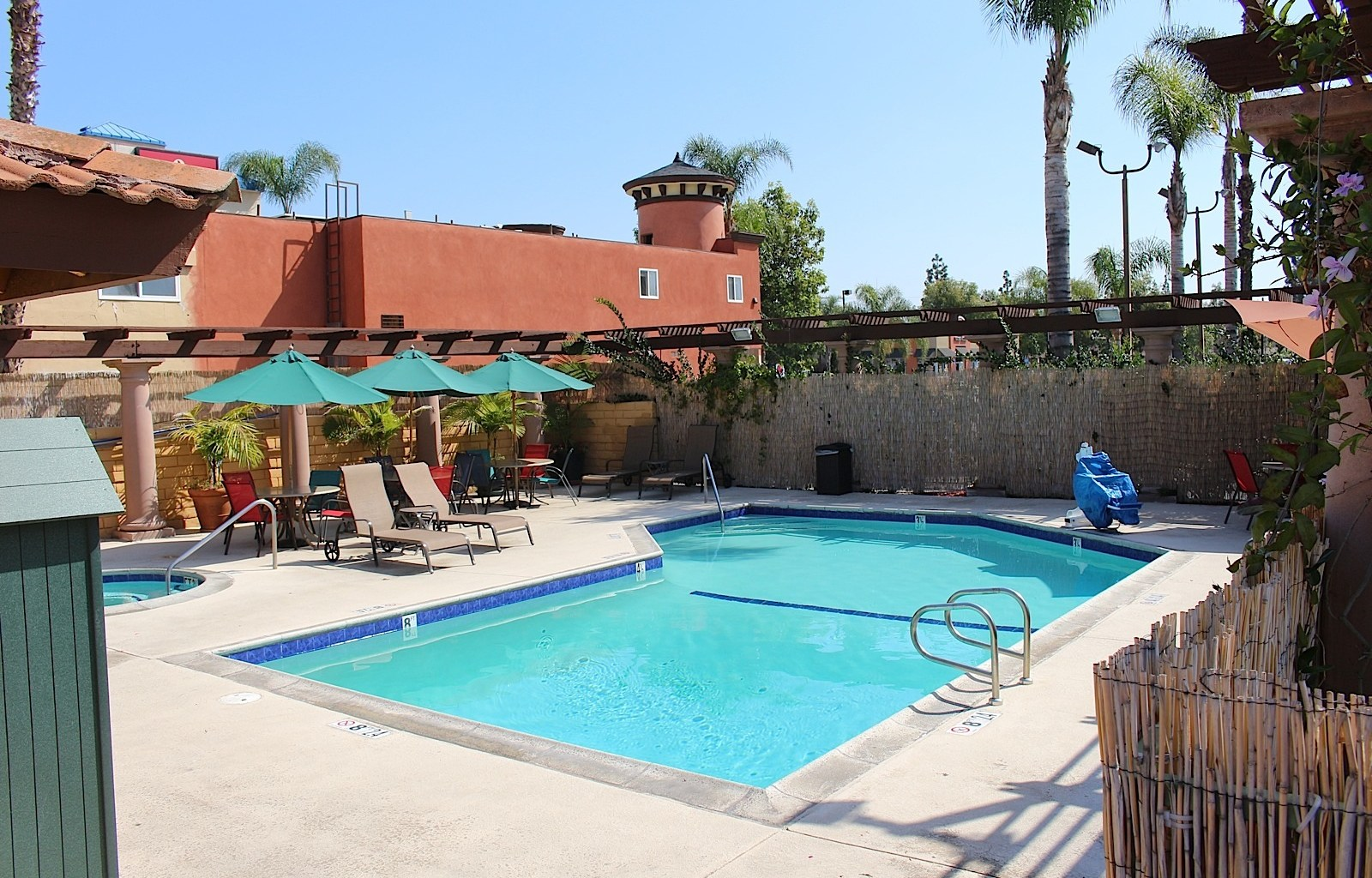 Stanford Inn & Suites image 9