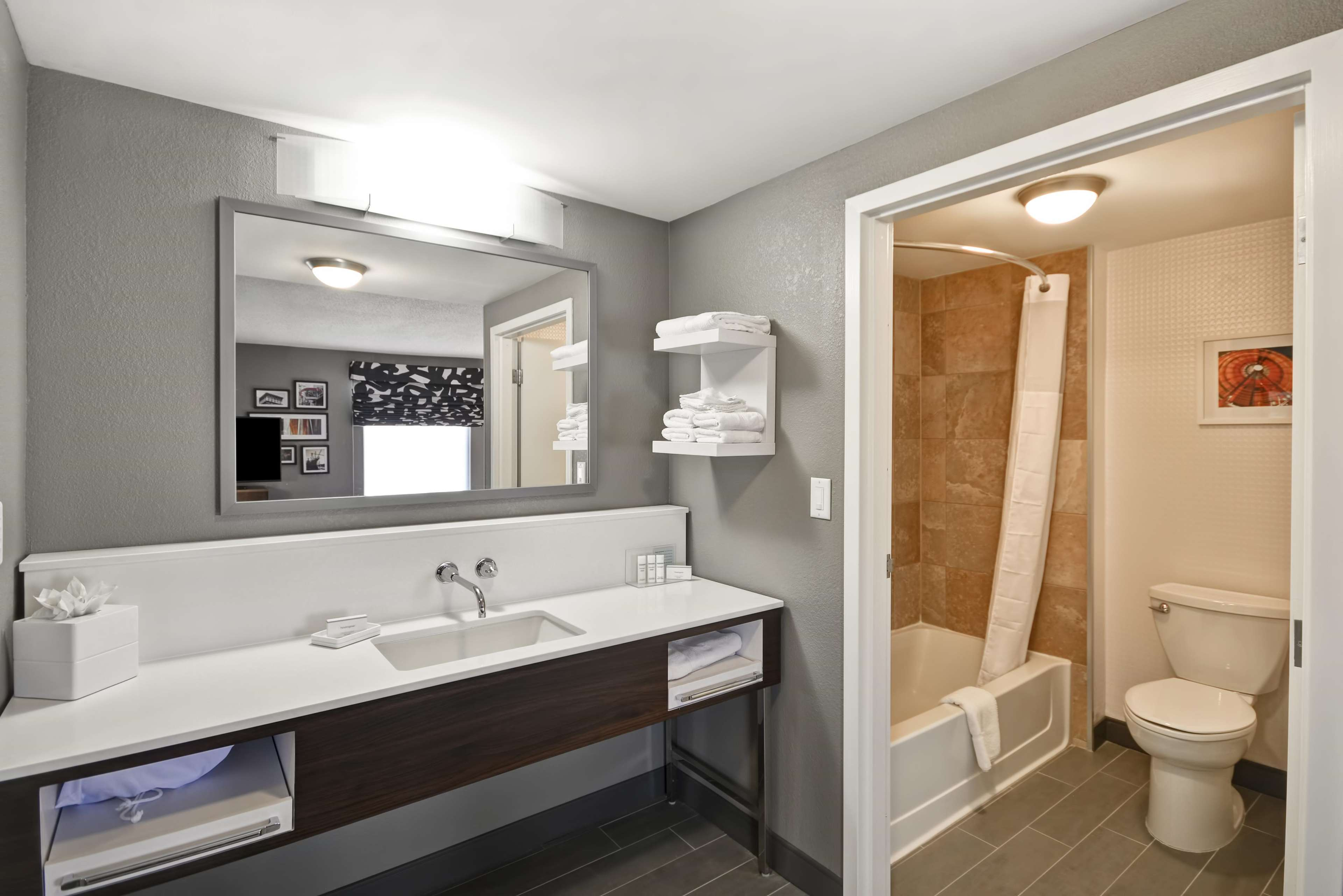Hampton Inn & Suites Columbus-Easton Area image 48