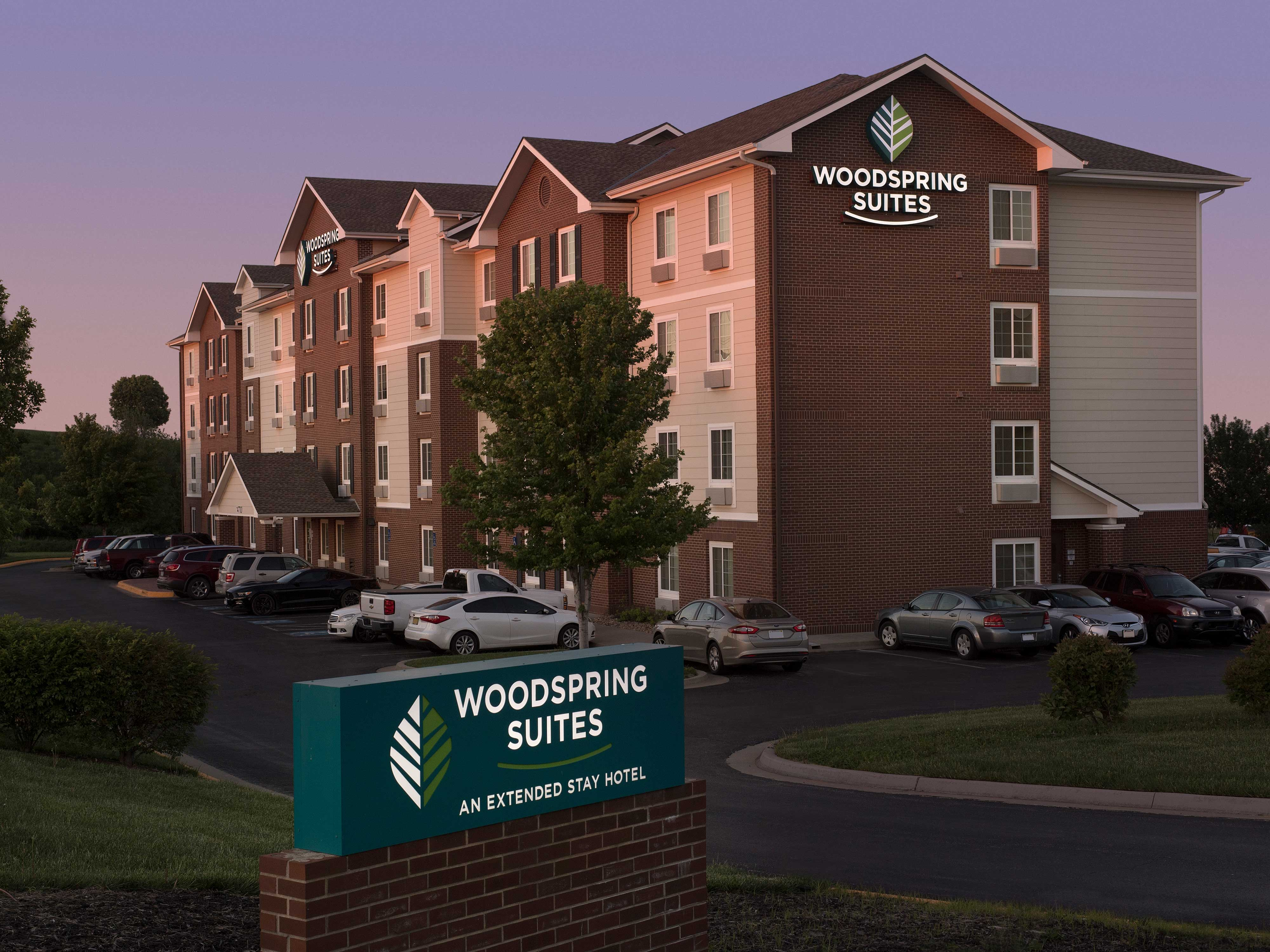 WoodSpring Suites Kansas City Lenexa image 15