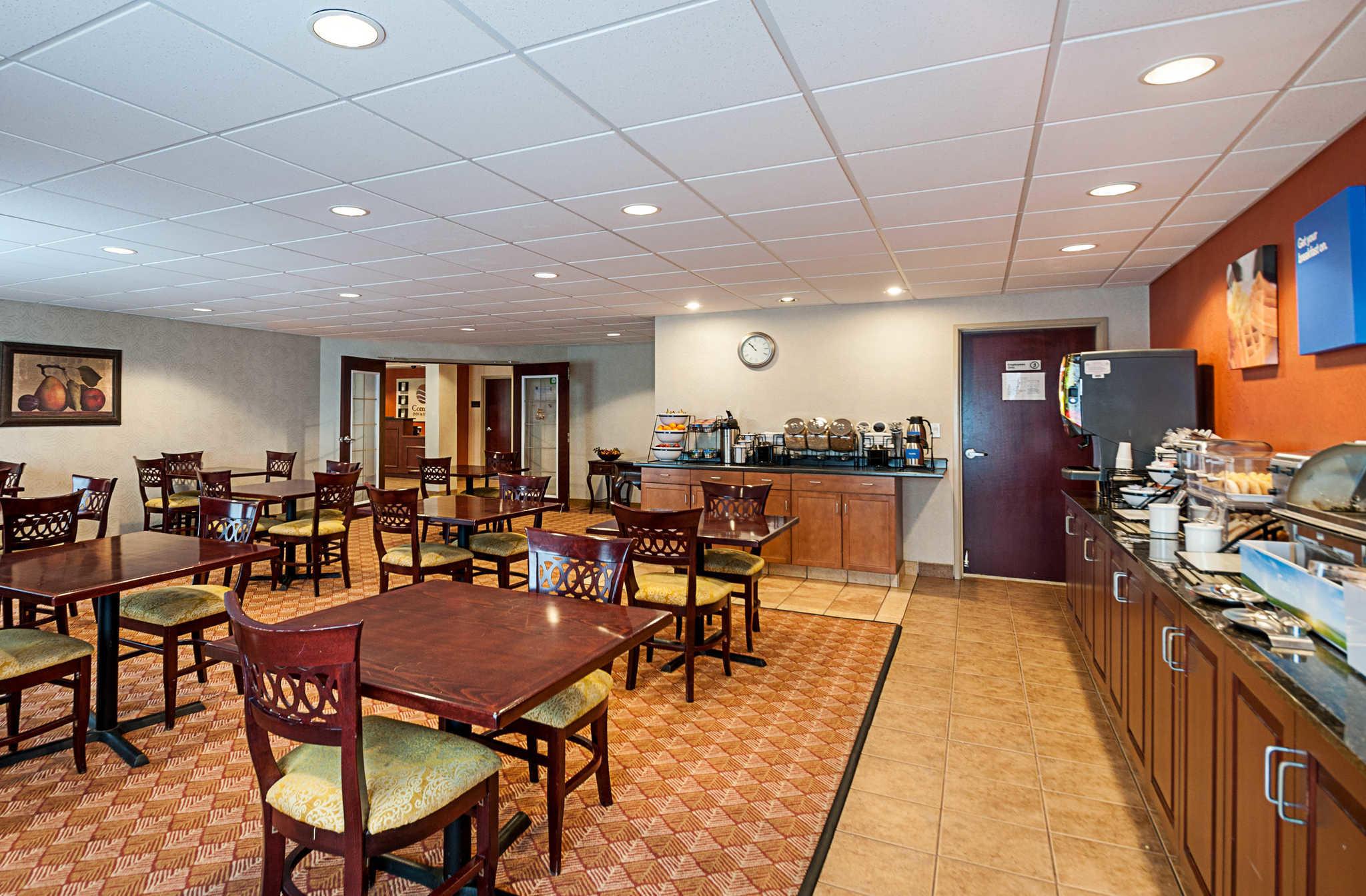 Comfort Inn & Suites Cambridge image 26