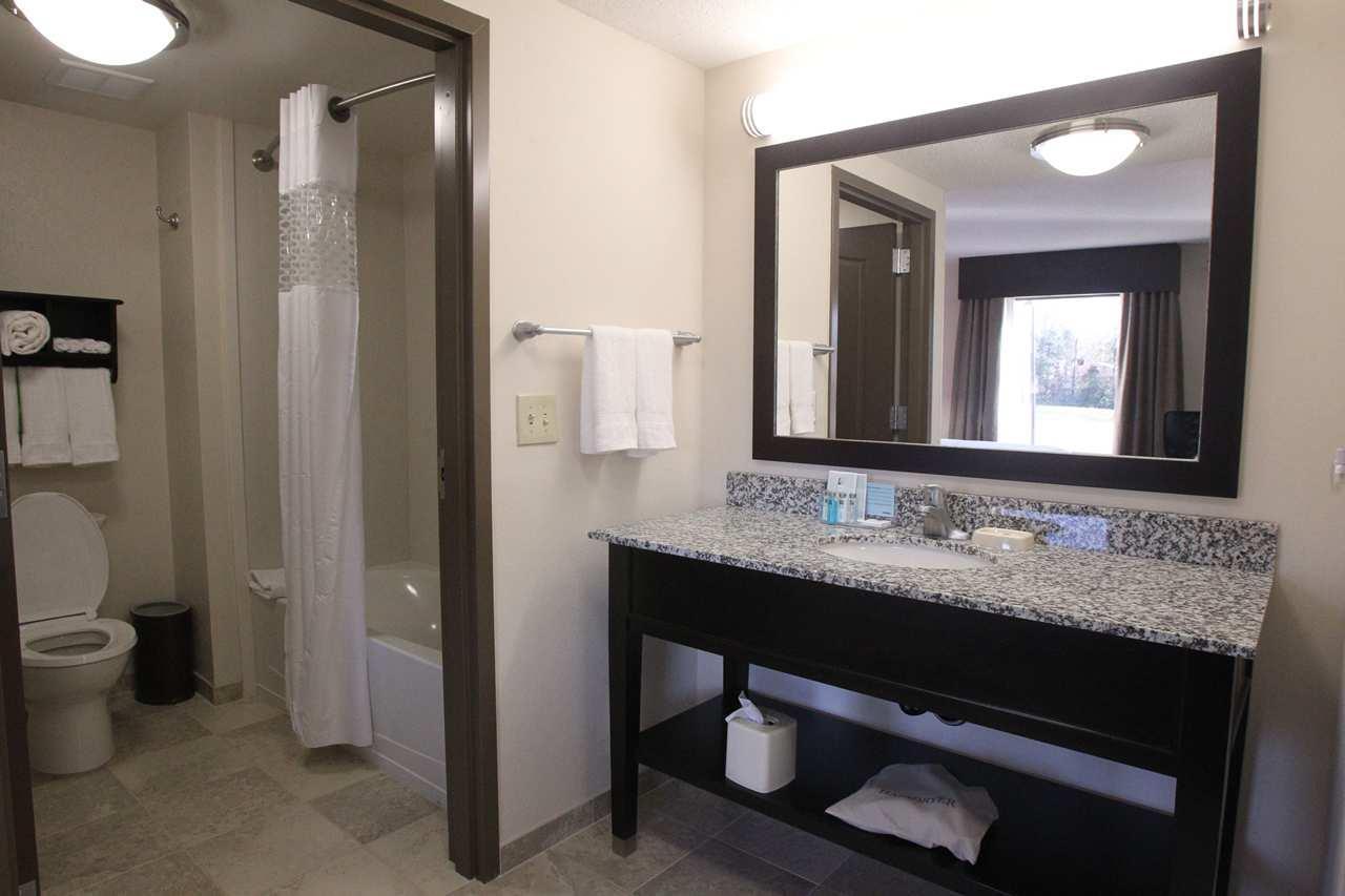 Hampton Inn & Suites Seneca-Clemson Area image 17