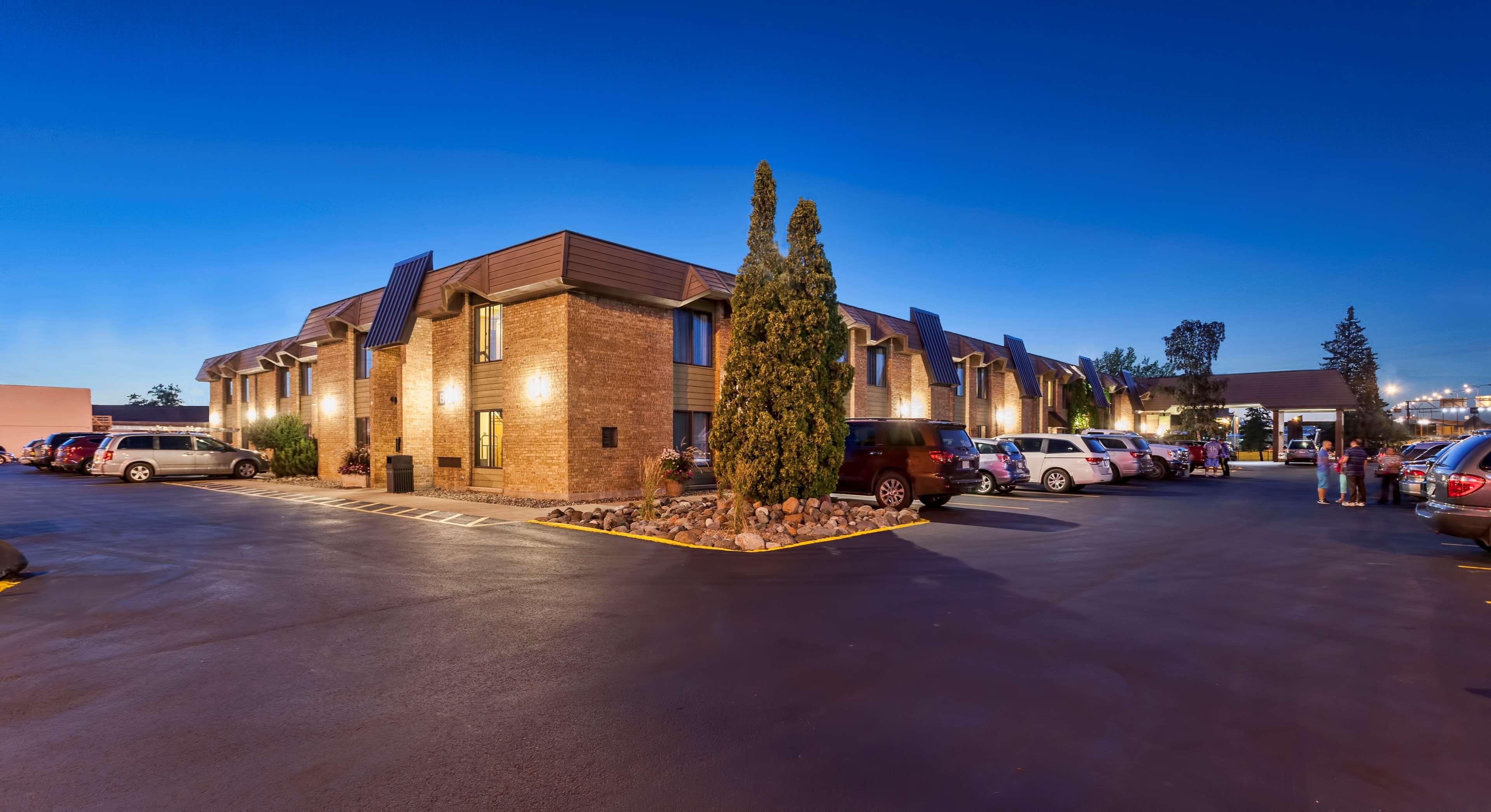 Best Western Bridgeview Hotel image 1