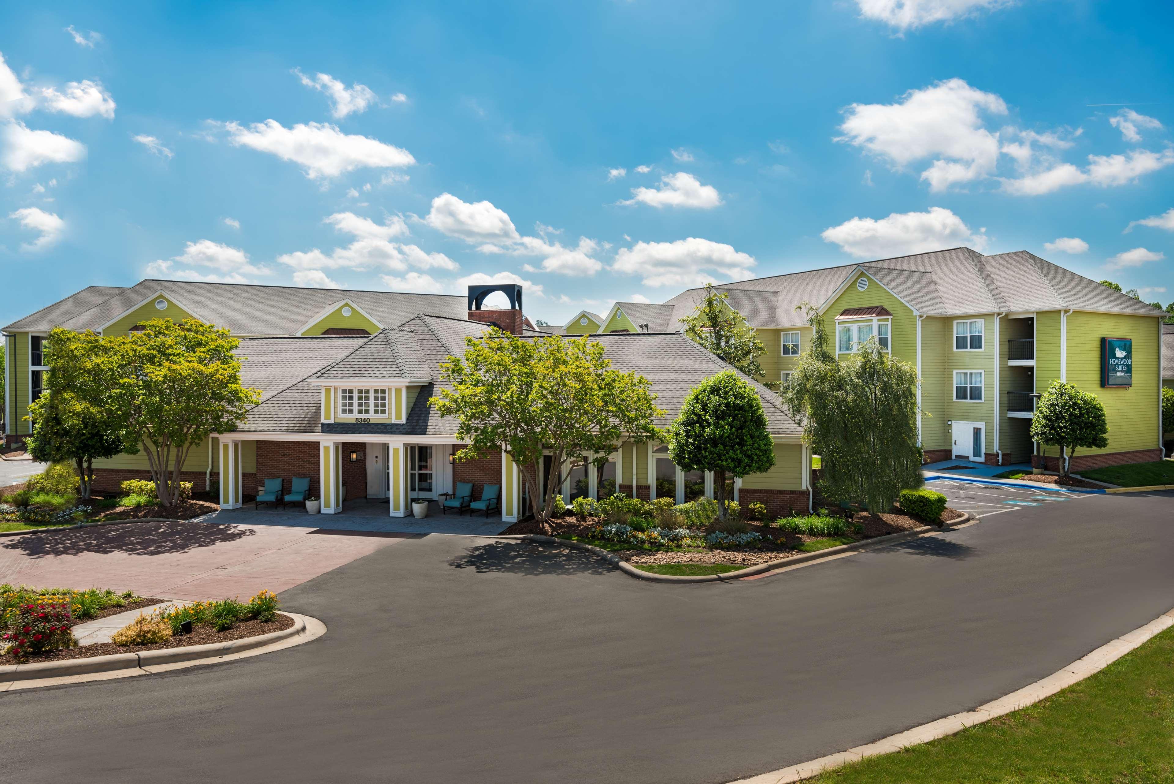 Homewood Suites by Hilton Charlotte-North/Univ Research Park image 2