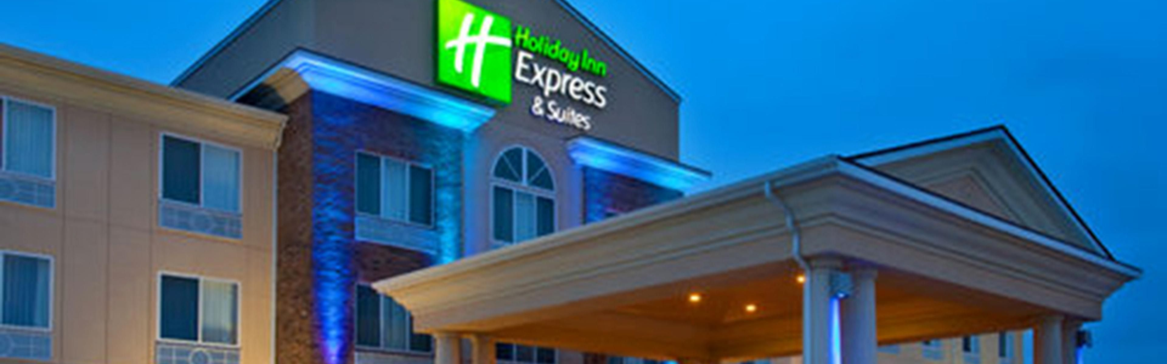 Holiday Inn Express & Suites Emporia Northwest image 0