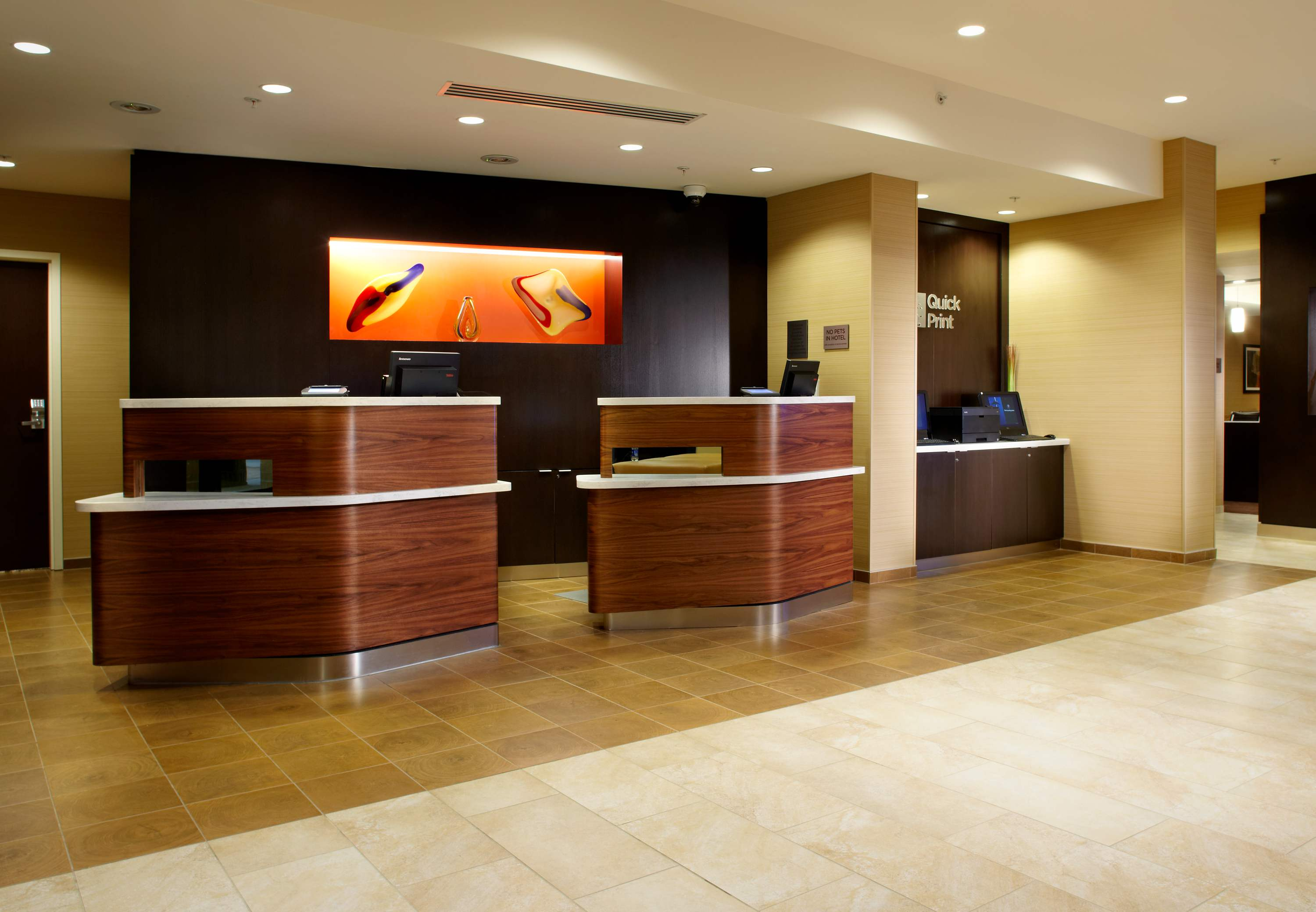 Courtyard by Marriott Pittsburgh Washington/Meadow Lands image 10